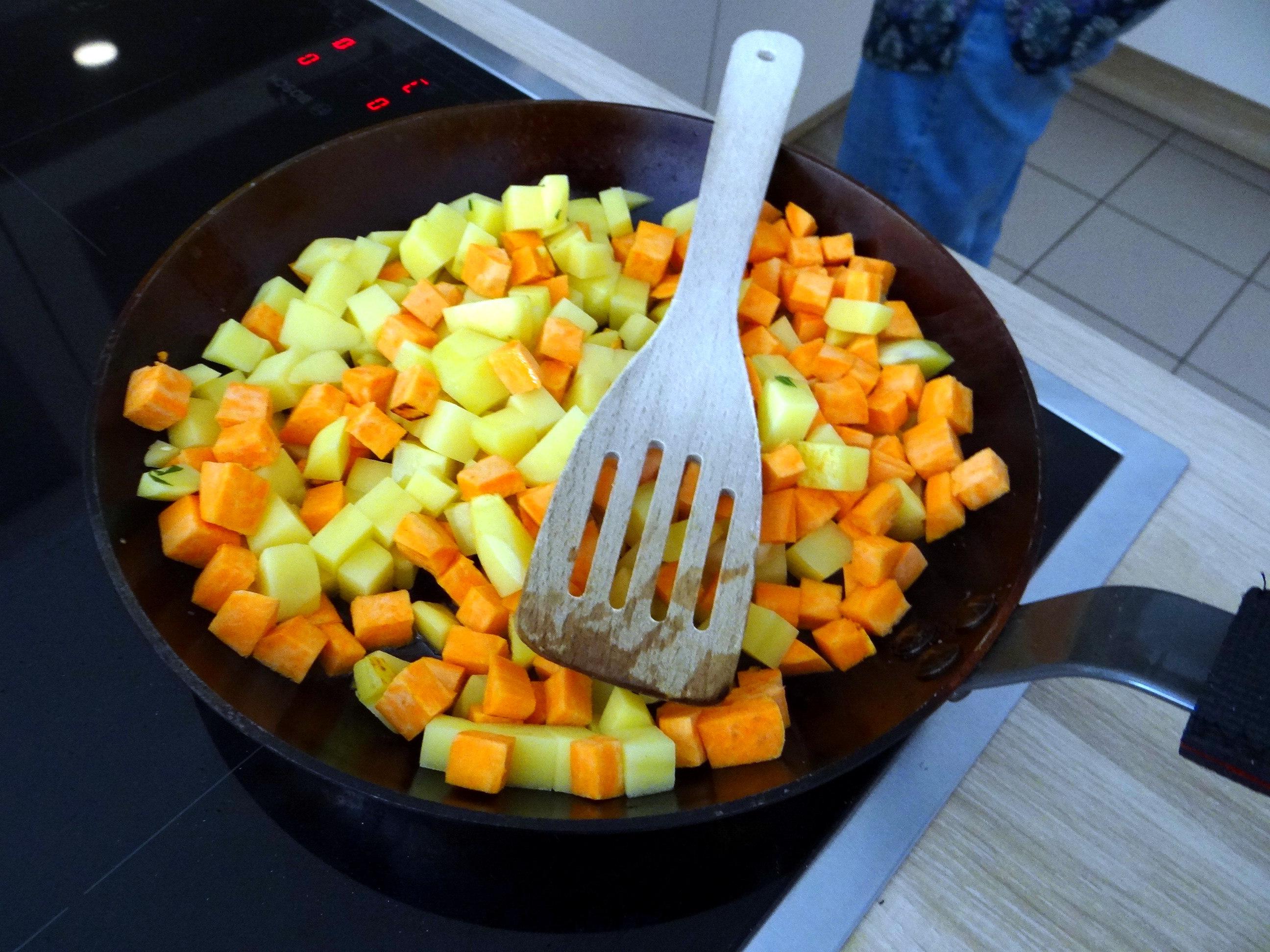 Rohgebratene Kartoffeln,Guacamole,Kohlrabisalat,Zitronenmuffins, , (8)