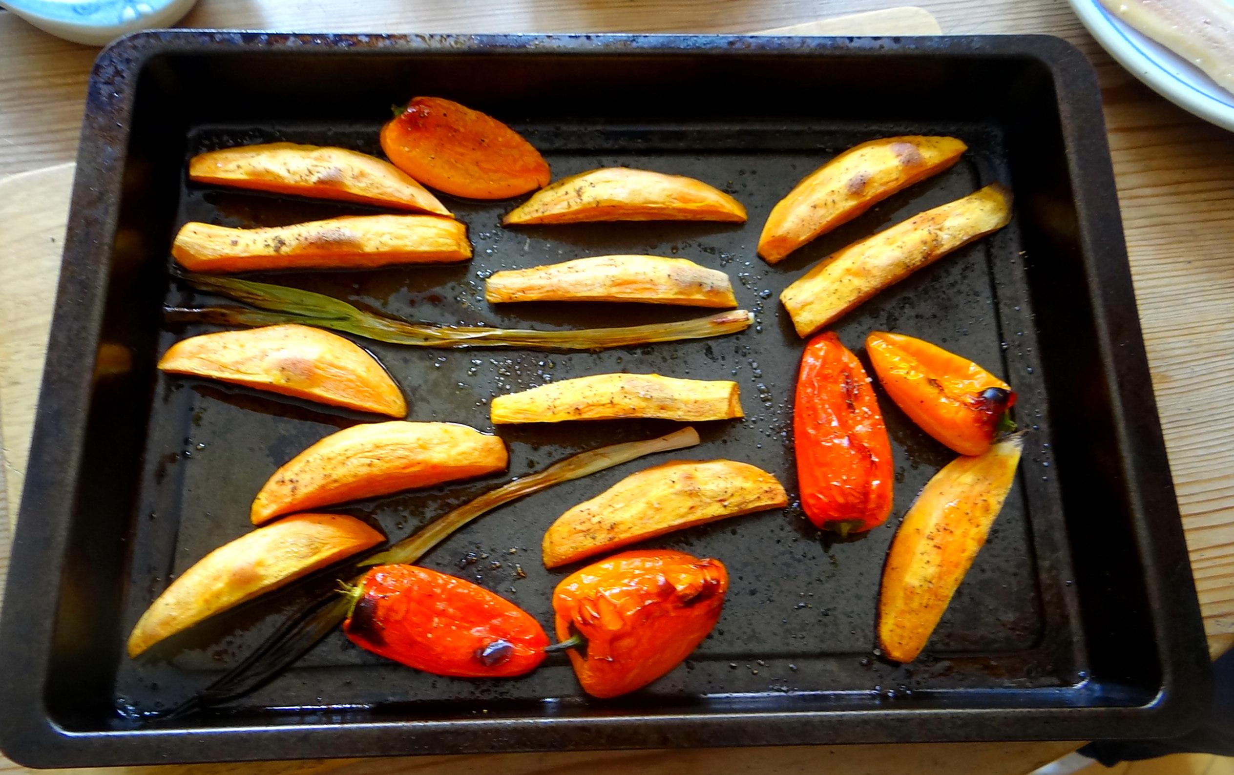 Süßkartoffel Spalten,Feta Creme,Salate (14)