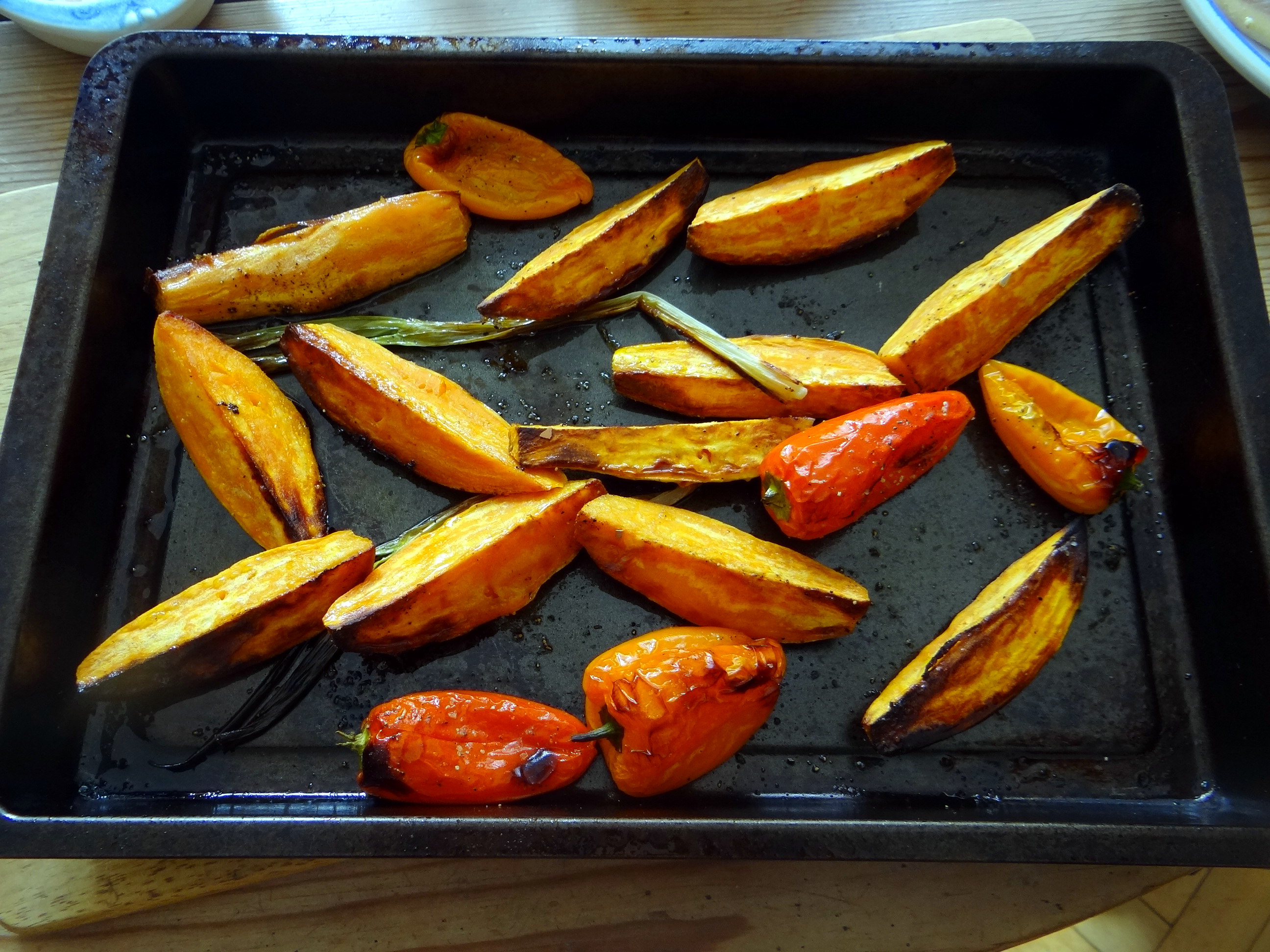 Süßkartoffel Spalten,Feta Creme,Salate (4)