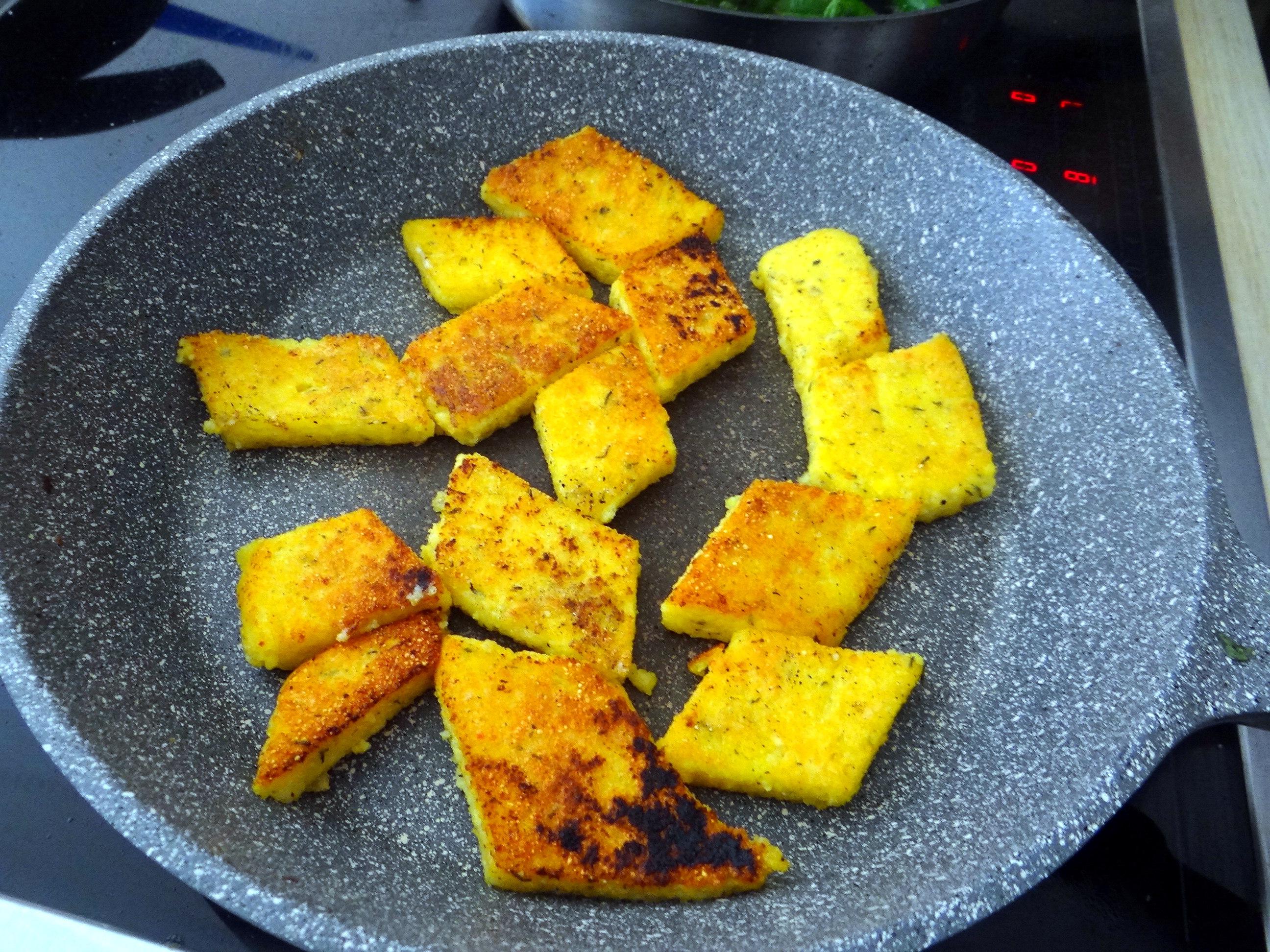 Shitake,Polenta,Pimientos,Salat, (10)