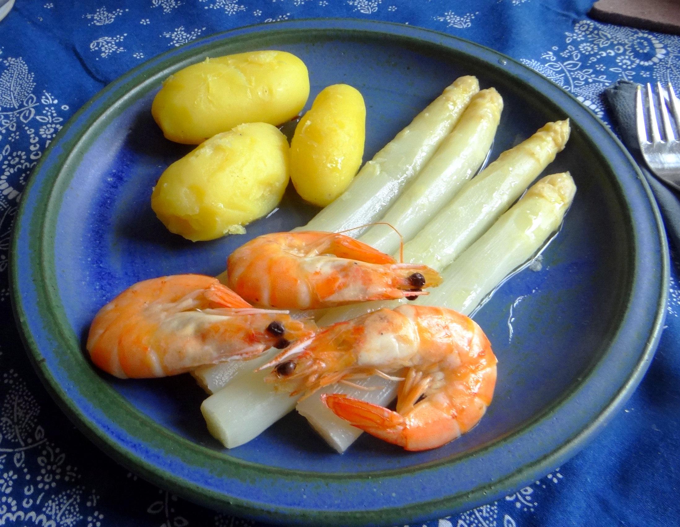 Spargel,Garnelen,Neue Kartoffeln,vegetarisch (1)