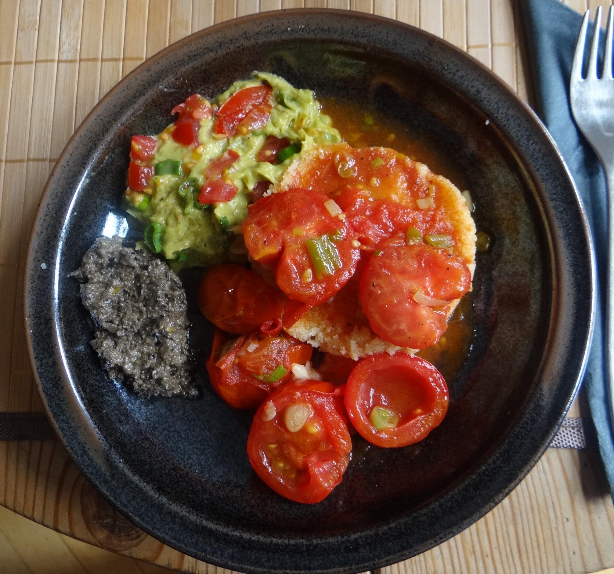 Tomaten Sugo,Couscous,Papardelle,Guacamole (1)