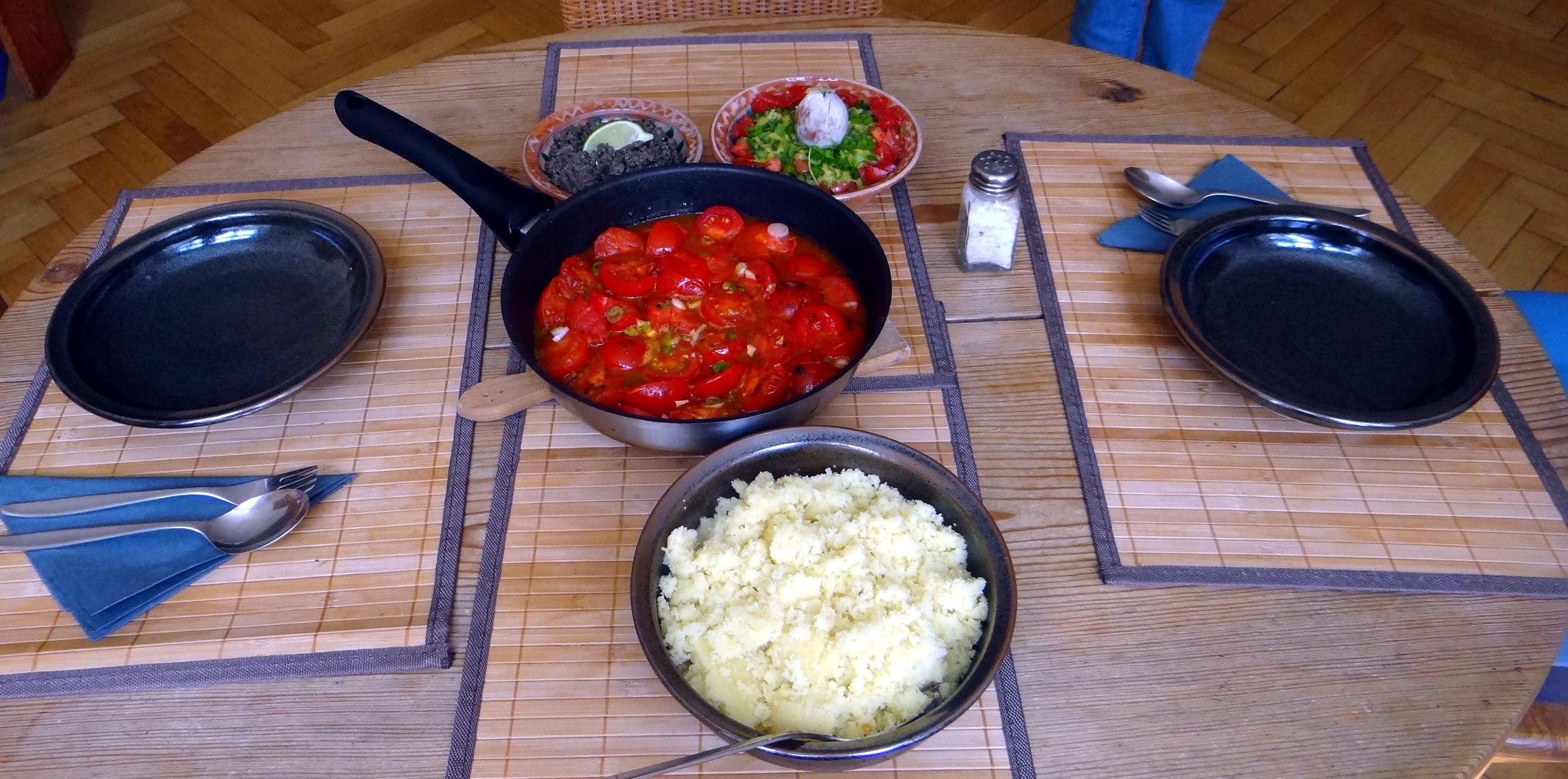 Tomaten Sugo,Couscous,Papardelle,Guacamole (5)