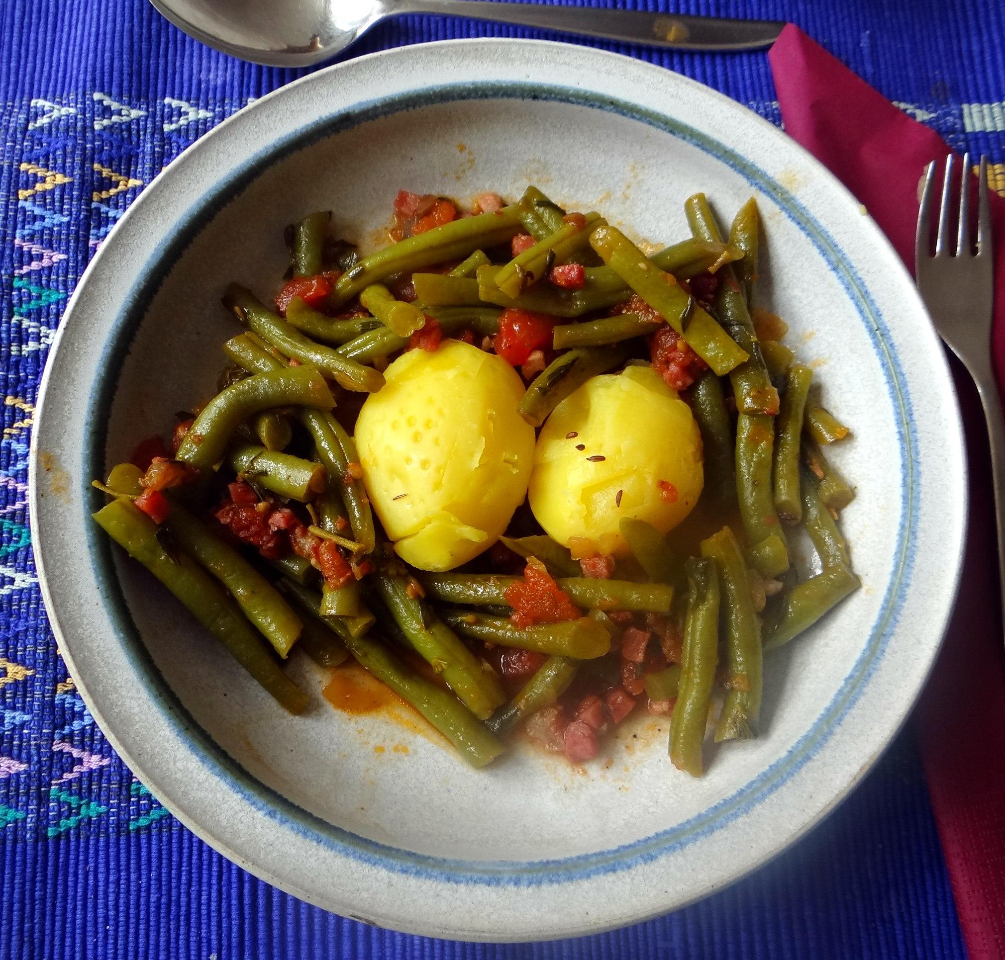 Bohnengemüse,Pellkartoffeln,Obstsalat (1)
