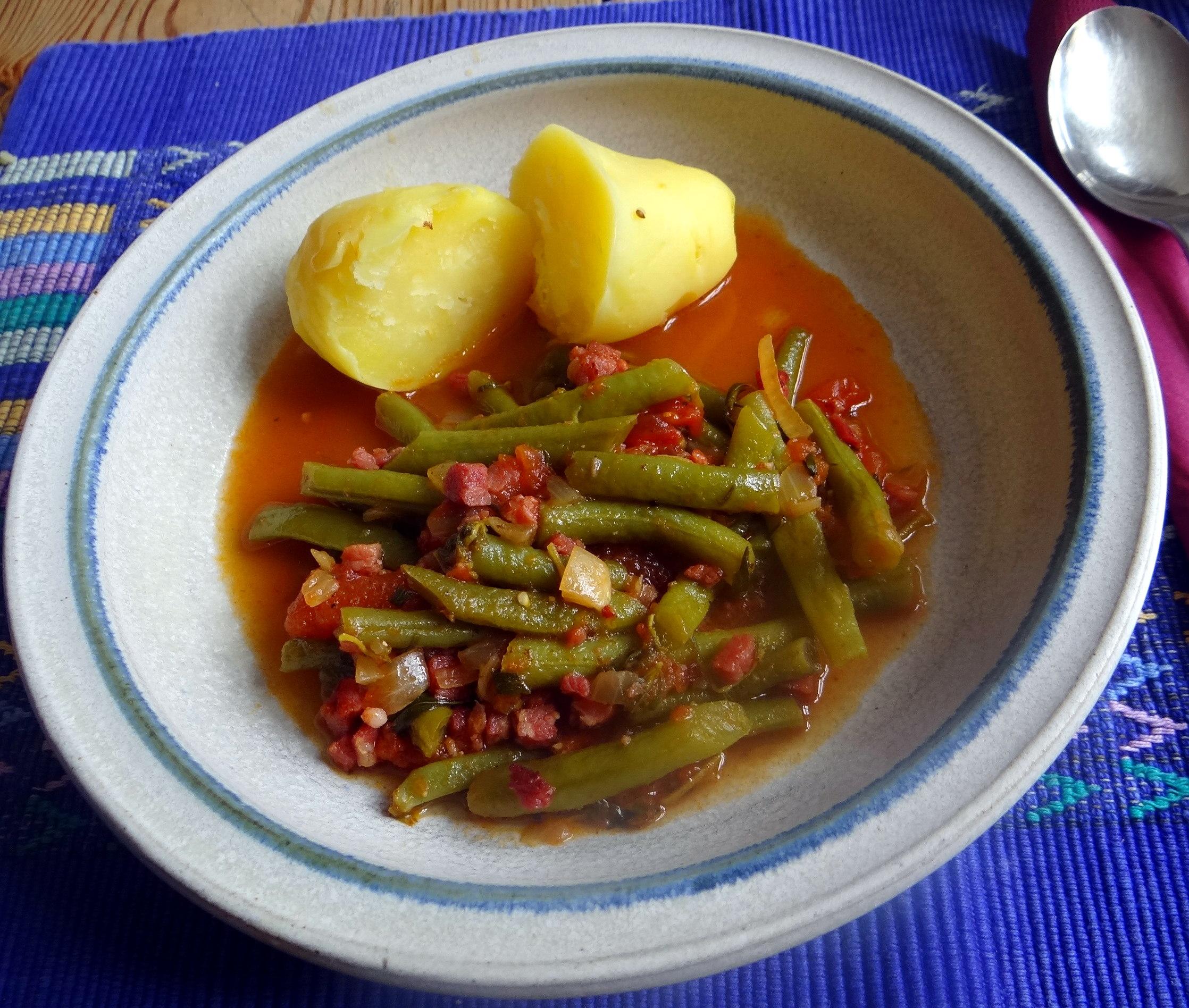 Bohnengemüse,Pellkartoffeln,Obstsalat (2)