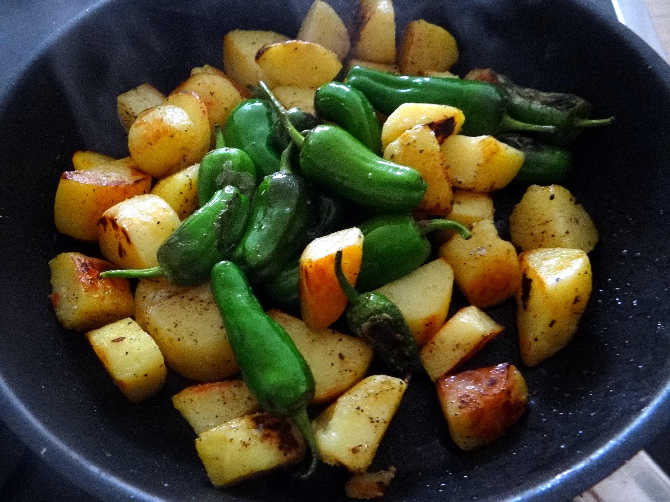 Fritierte Portobello,Bratkartoffeln,Pimientos,Salat,vegan (14)