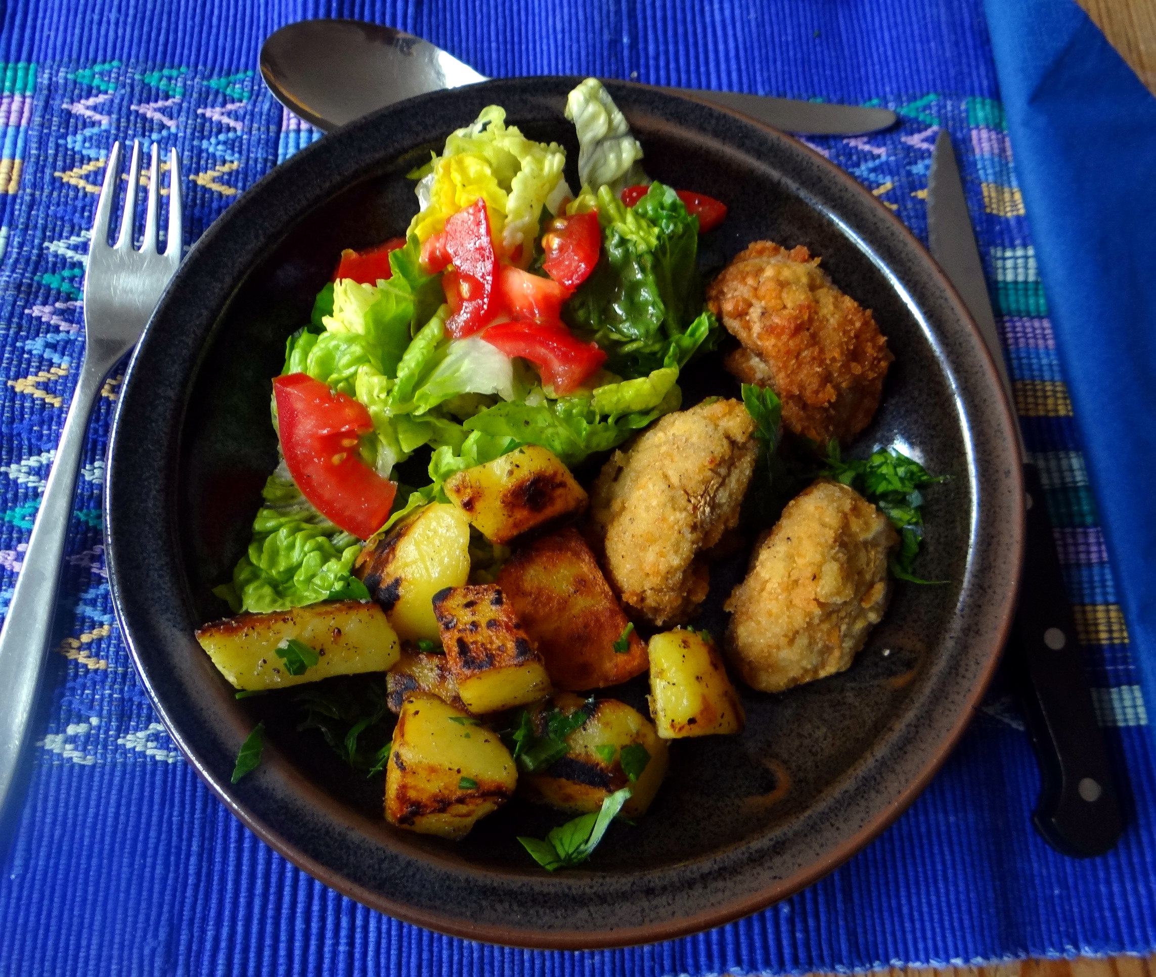 Fritierte Portobello,Bratkartoffeln,Pimientos,Salat,vegan (18)