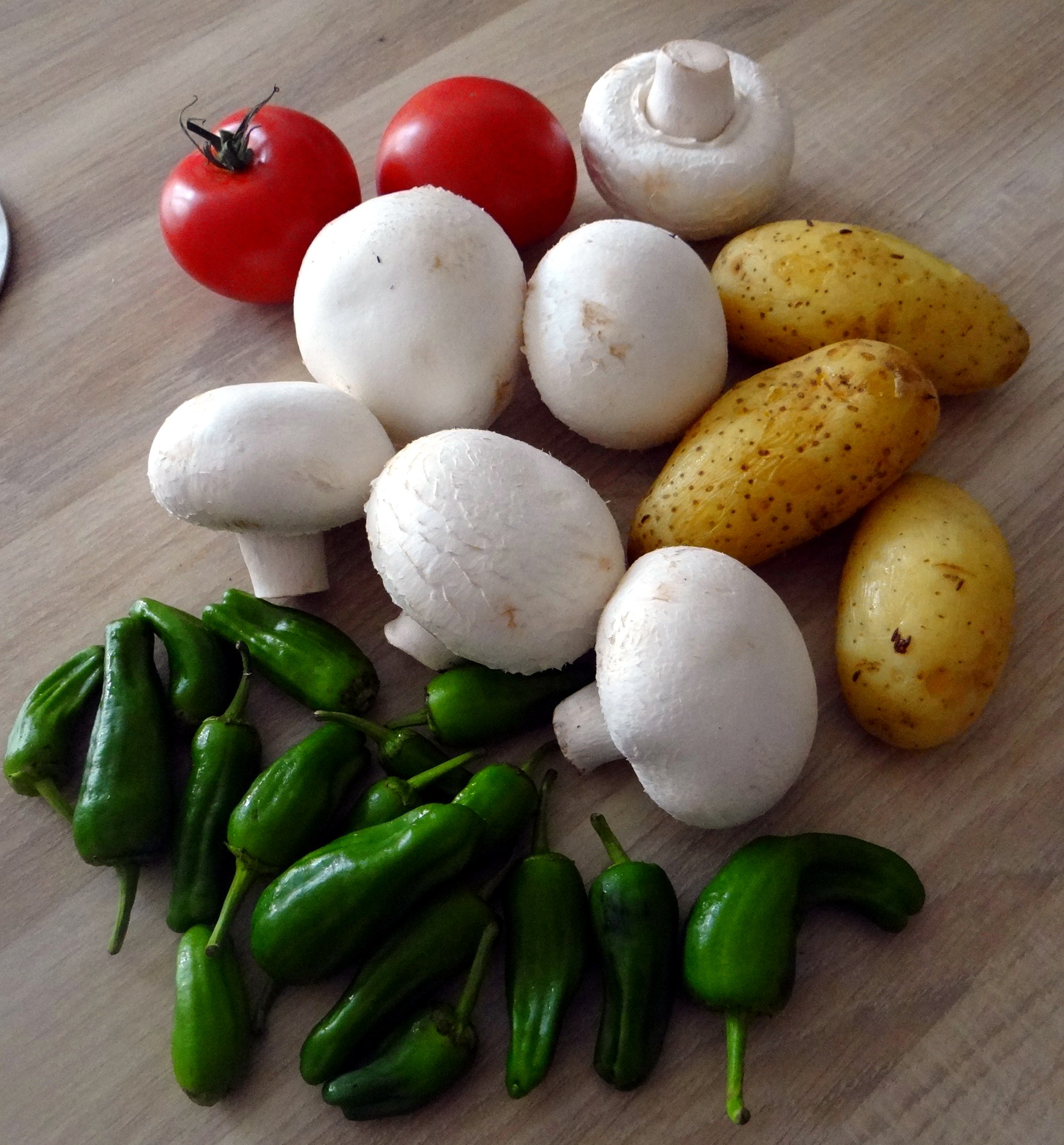 Fritierte Portobello,Bratkartoffeln,Pimientos,Salat,vegan (5)