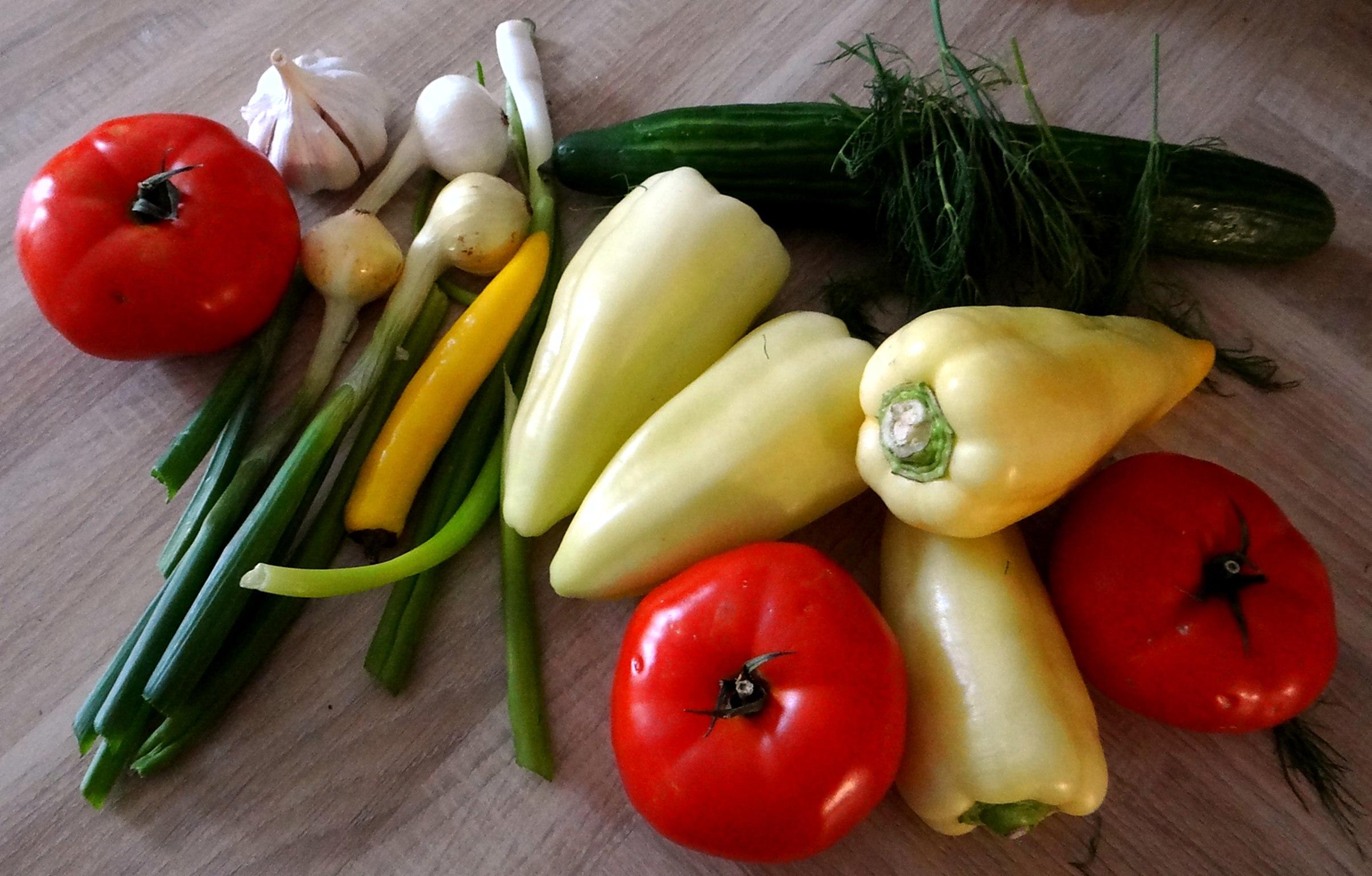 Gefüllte Paprika-Tomaten,Pellkartoffeln,Quarkspeise (7)