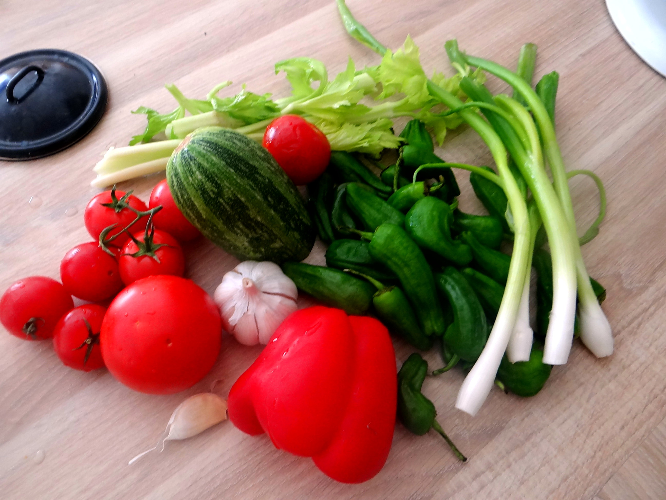 Grüne Nudeln mit Gemüse (5)