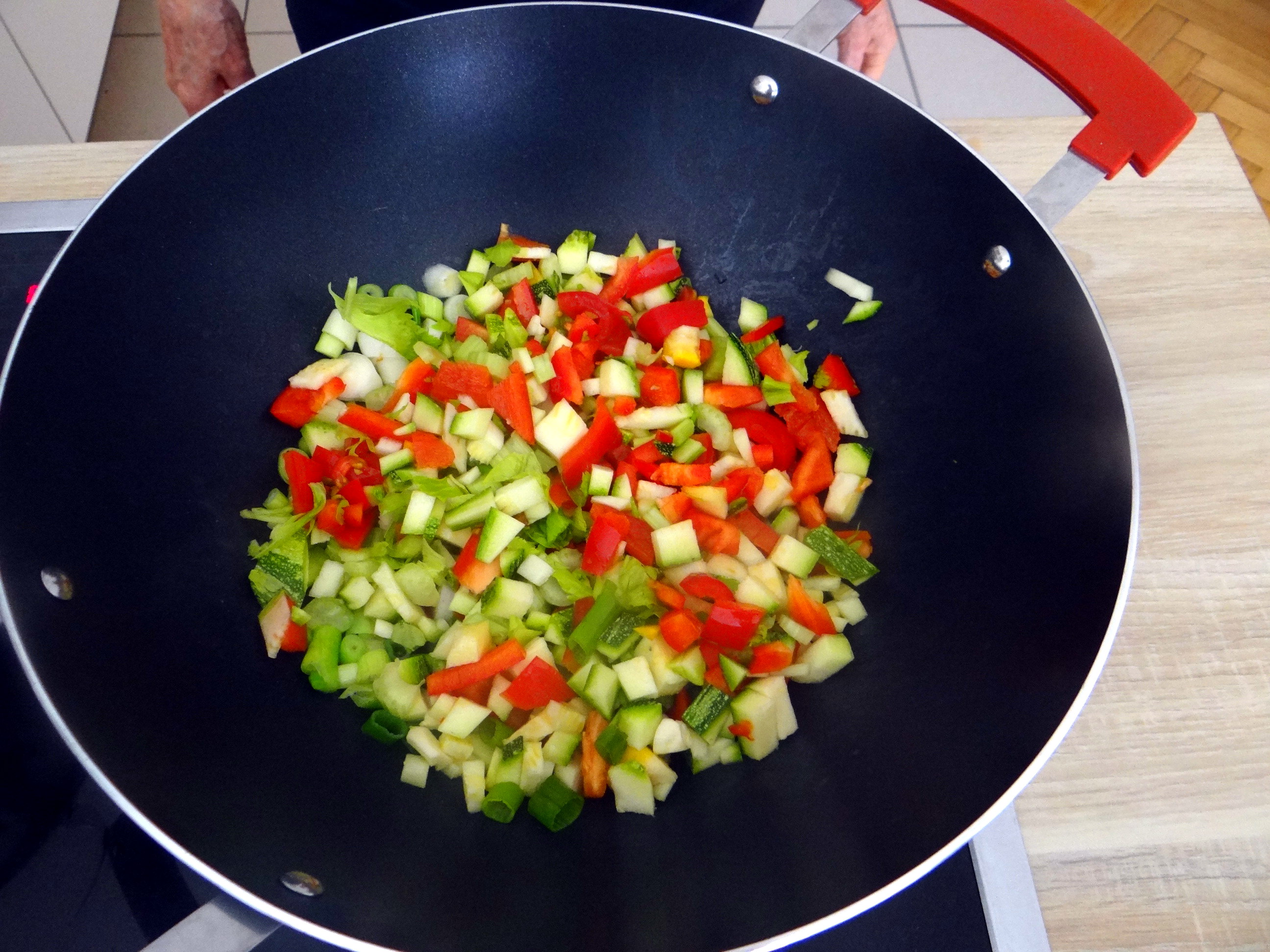 Grüne Nudeln mit Gemüse (7)