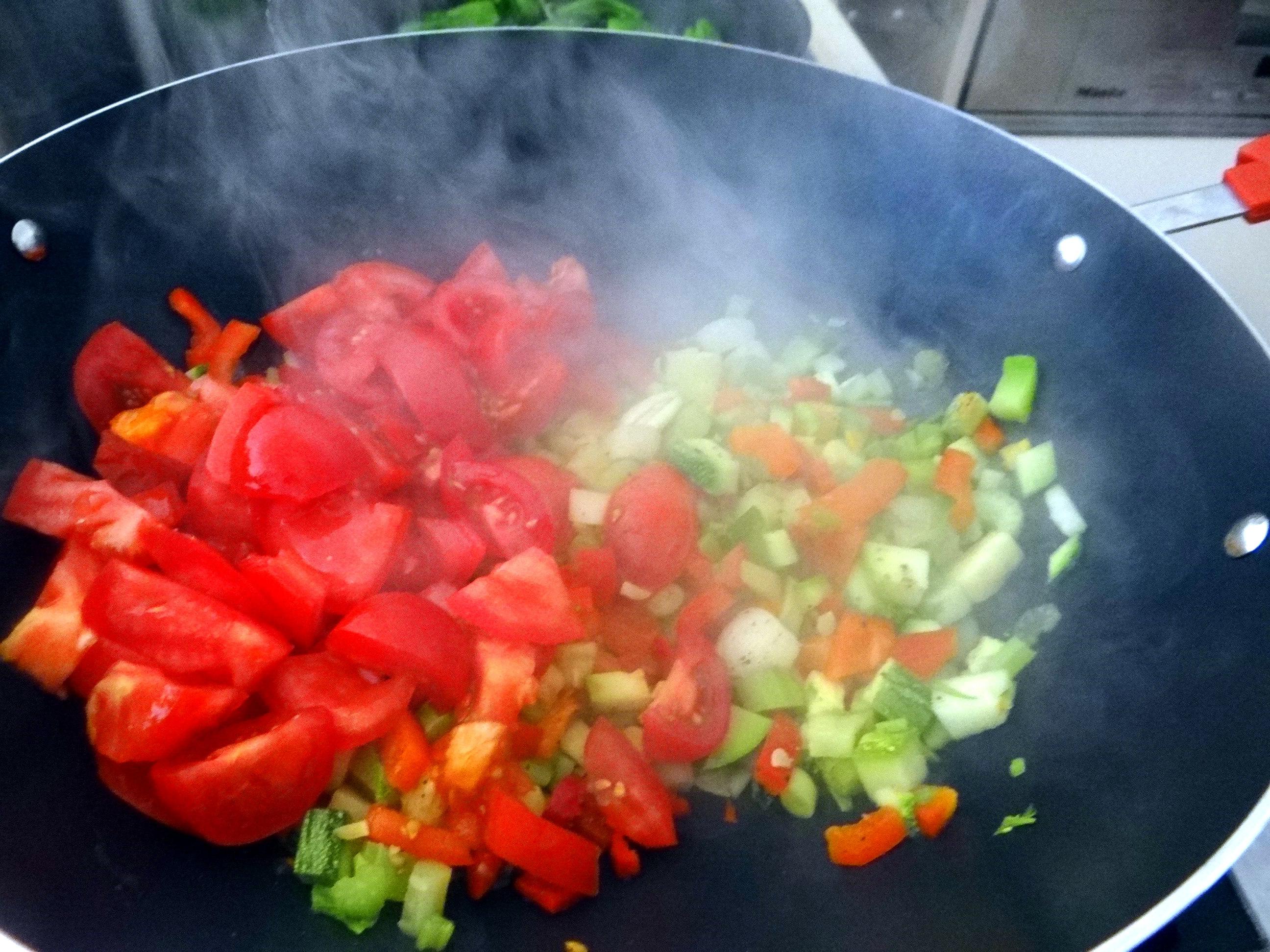 Grüne Nudeln mit Gemüse (9)