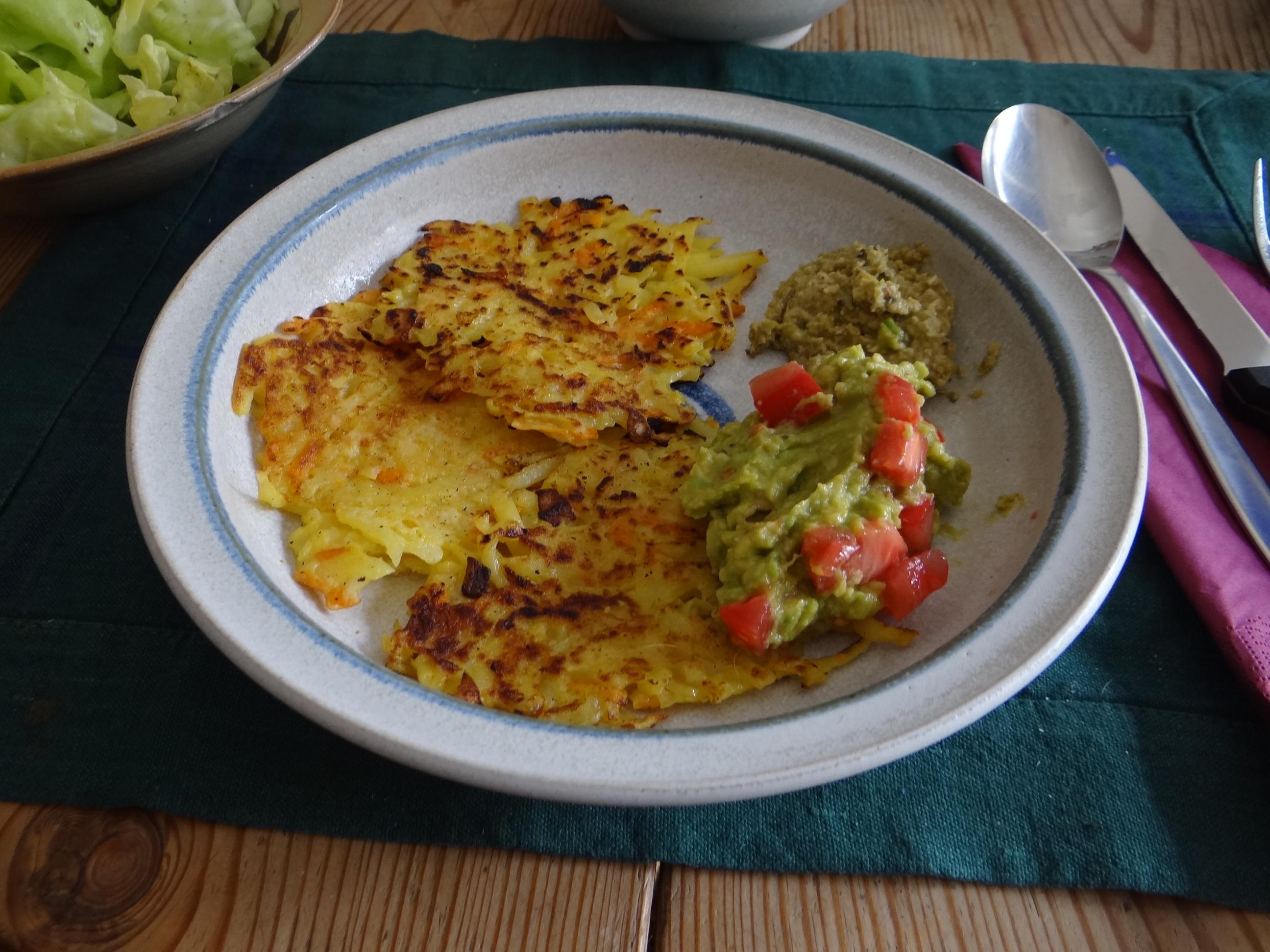 Rösti,Guacamole,Tapenade,Salat,vegetarisch (1)