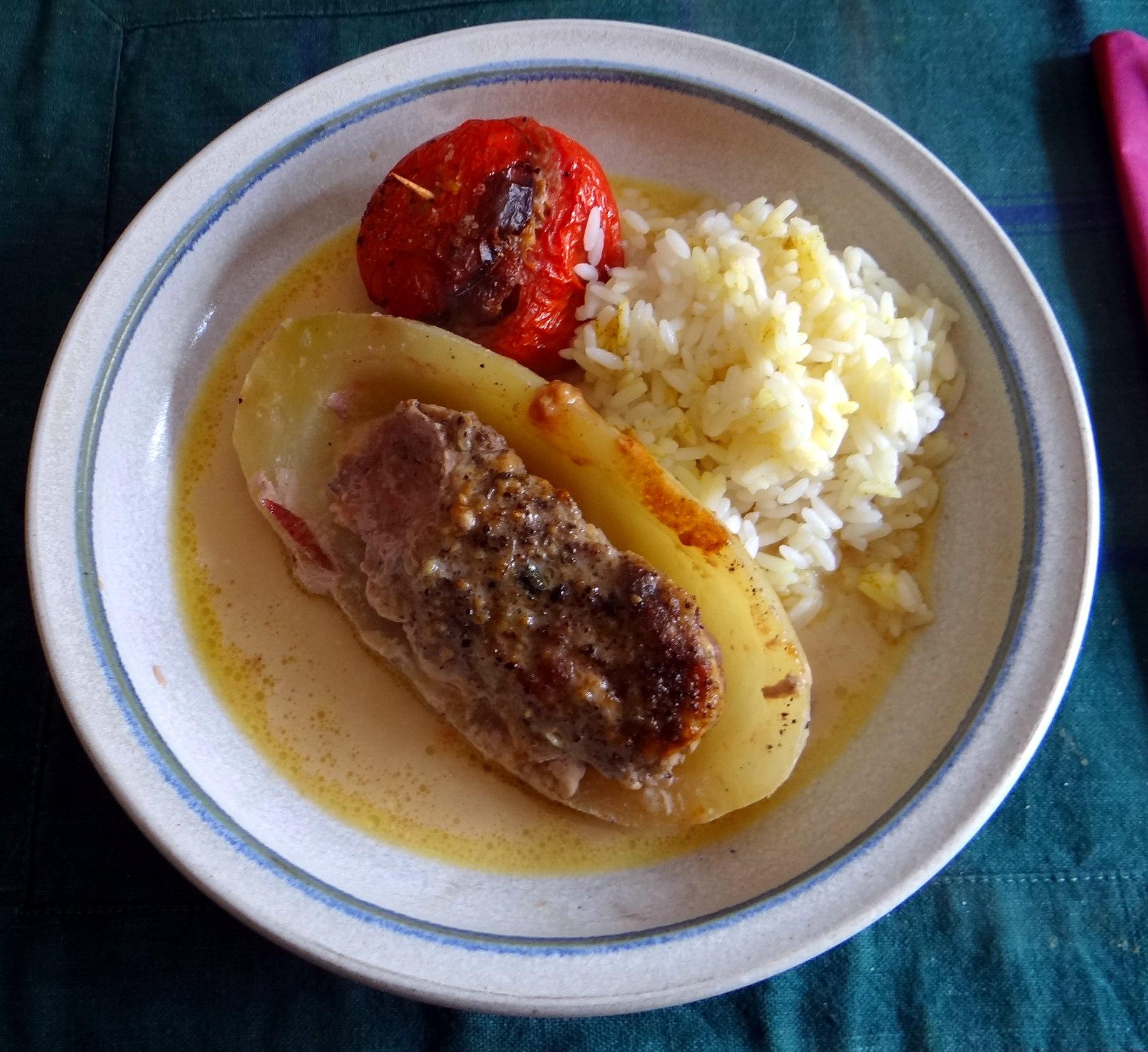 Gefüllte Paprika,Schmorgurke,Tomate,Zucchini,Reis,Bananeneis (1)
