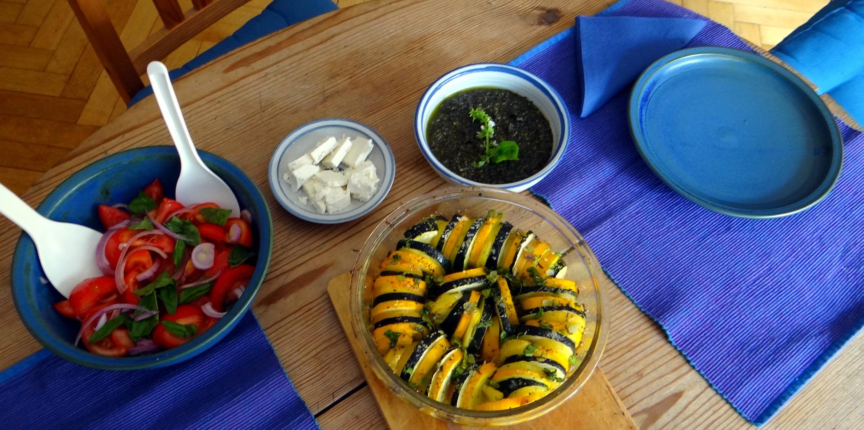 Kartoffel-Auberginen Gratin,Basilikum Pesto,Tomatensalat (5)
