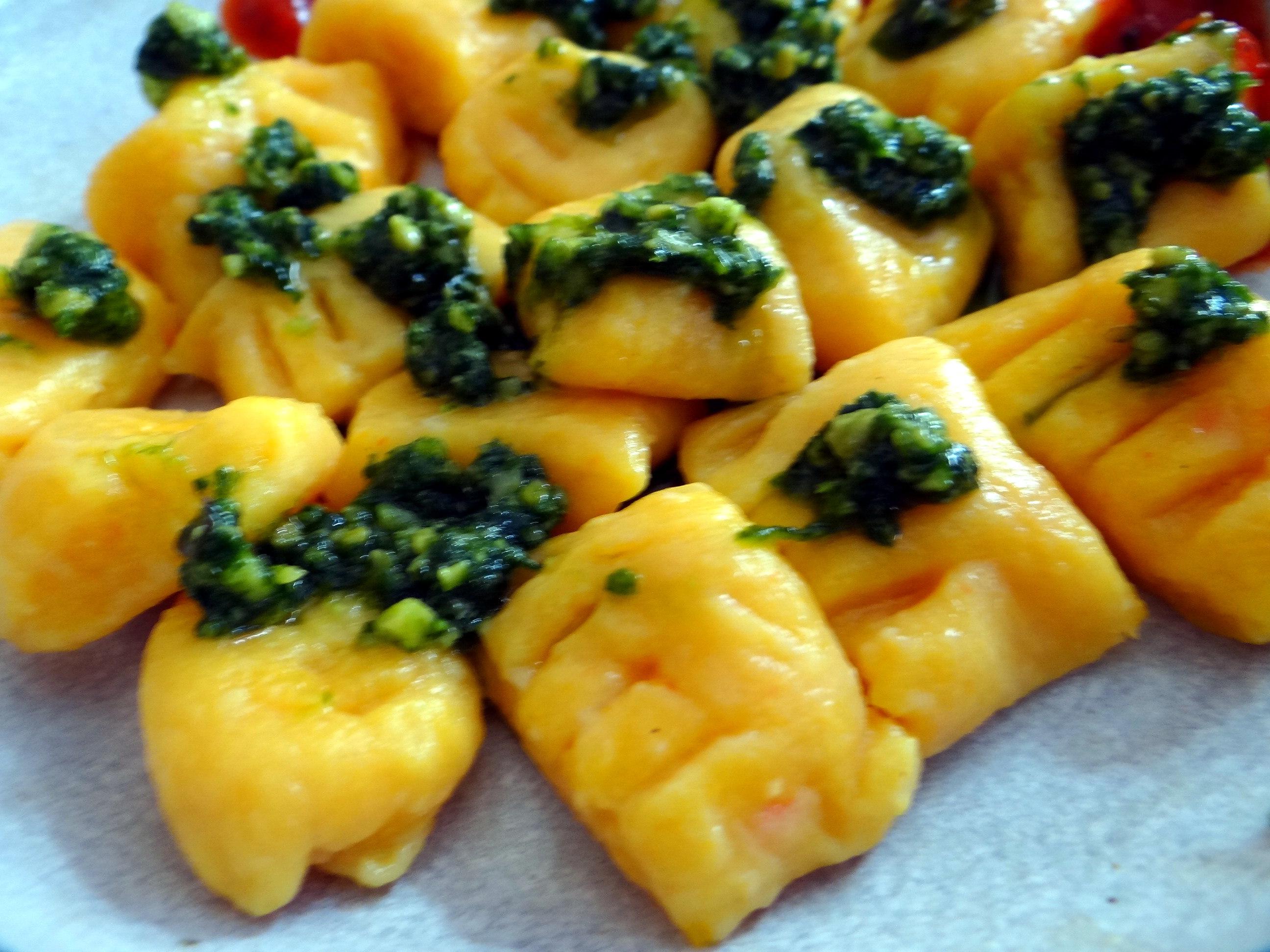 Kartoffel-Kürbis Gnocchis,Tomatensoße,Gurkensalat,vegetarisch (5)