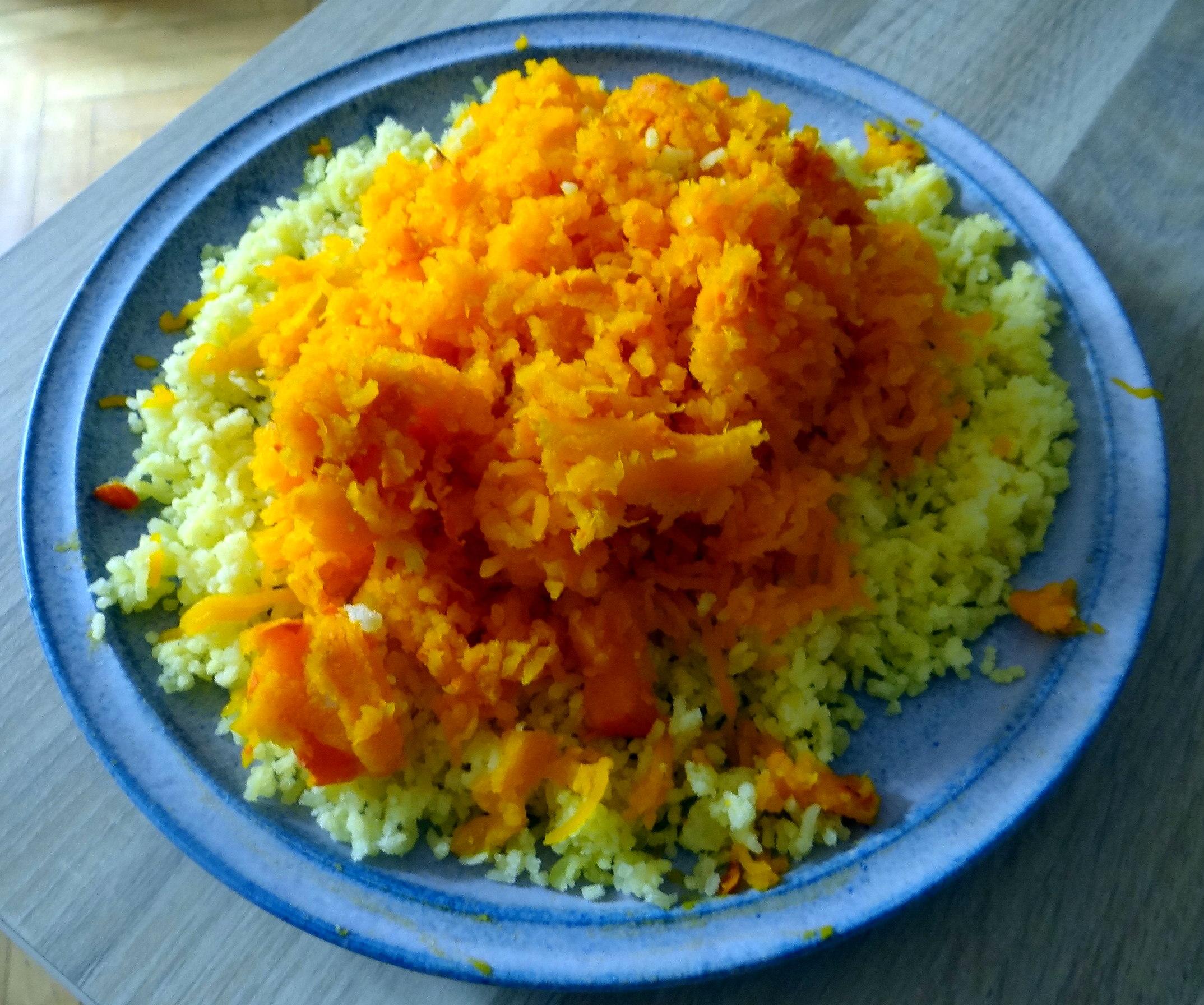 Kartoffel-Kürbis Gnocchis,Tomatensoße,Gurkensalat,vegetarisch (9)