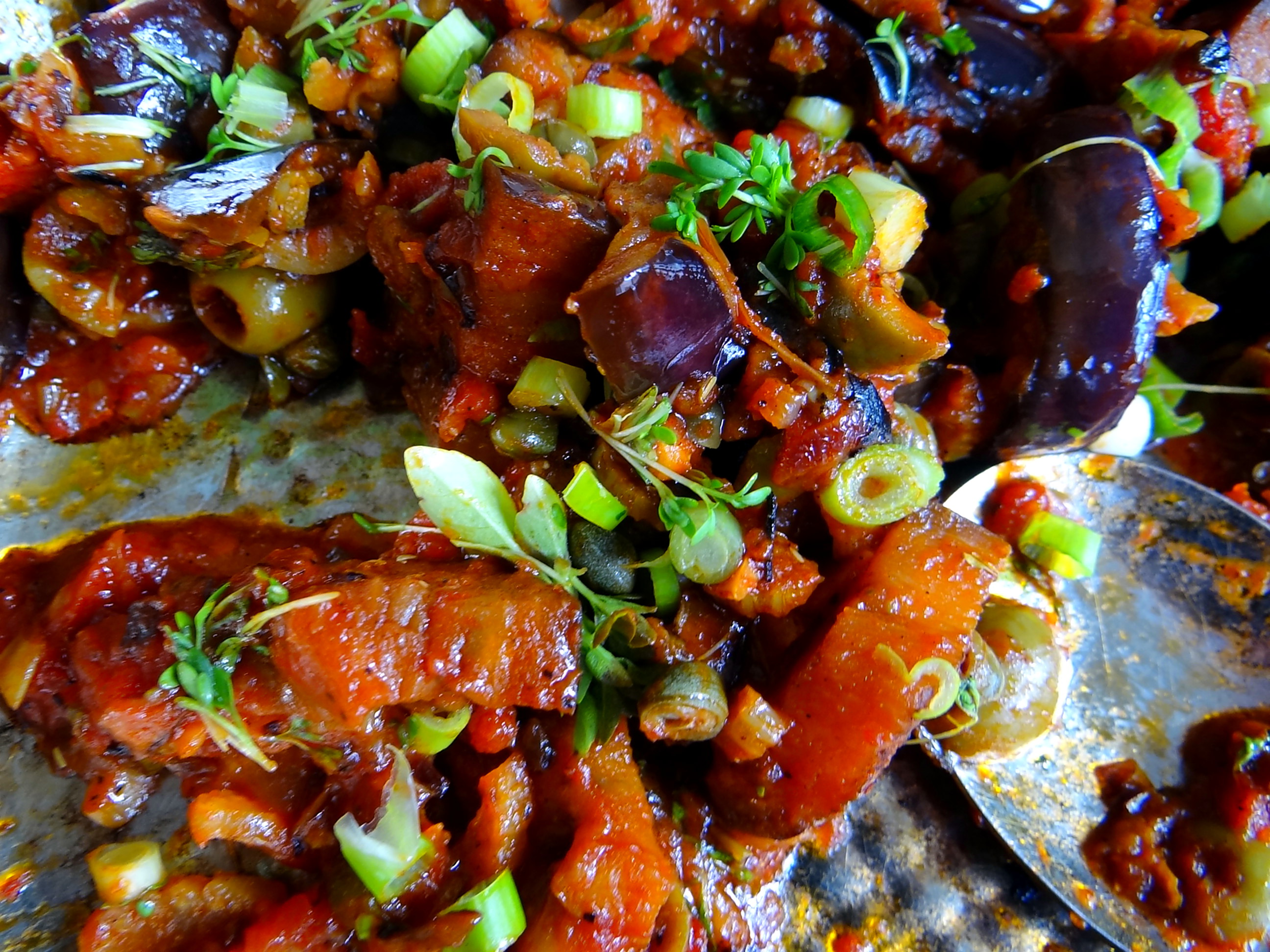 Süß-saures Auberginengemüse,CousCous,Salat,vegetarisch (4)