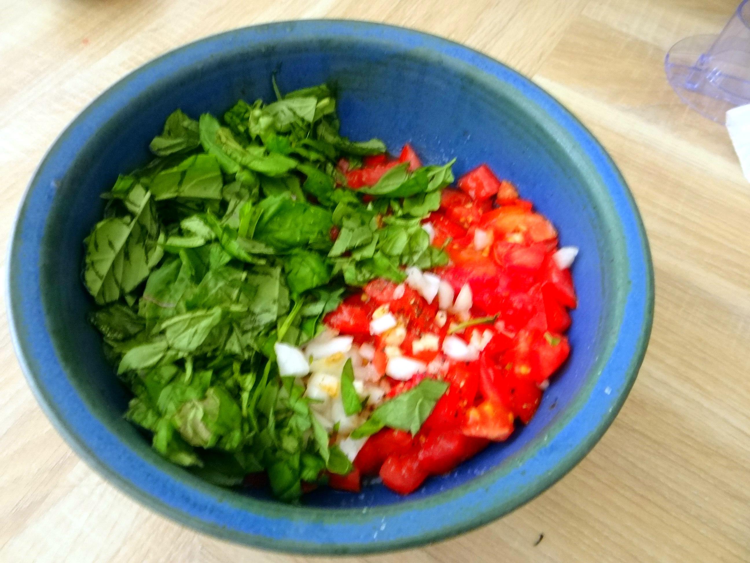 Spagfhetti mit kalter Tomatensauce (Keka) (8)