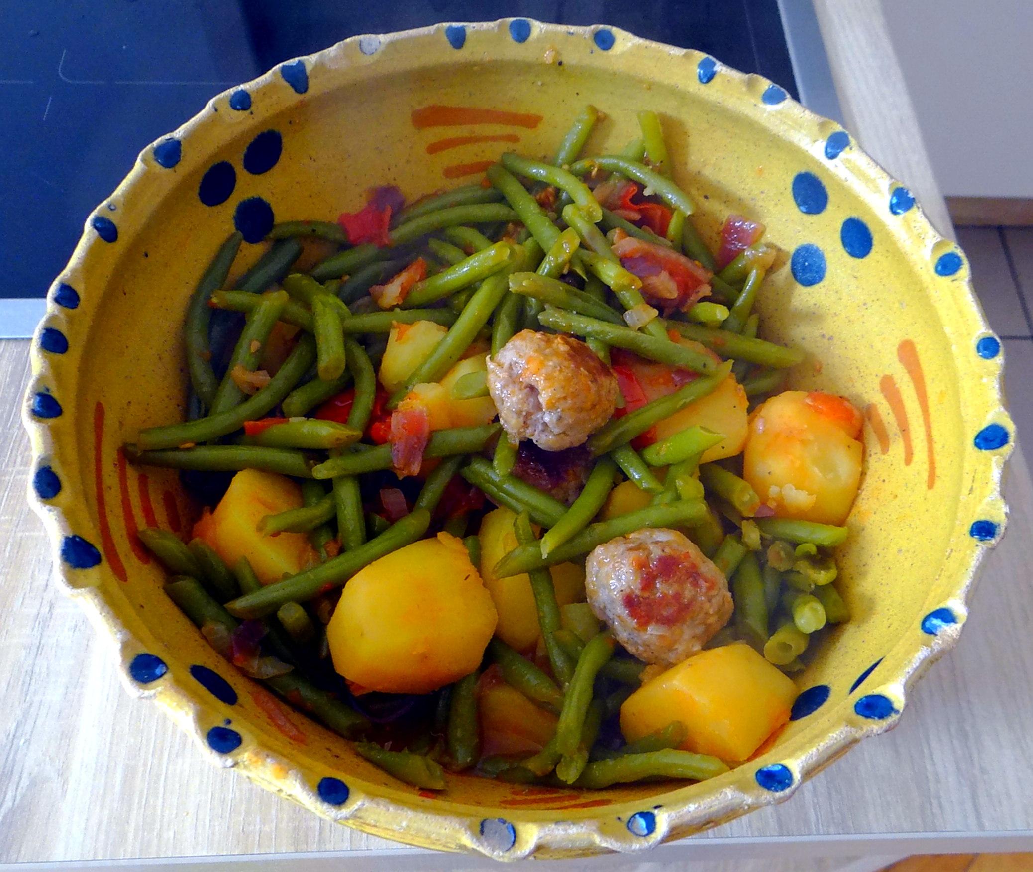 Bohnen Eintopf,Obstteller (10)