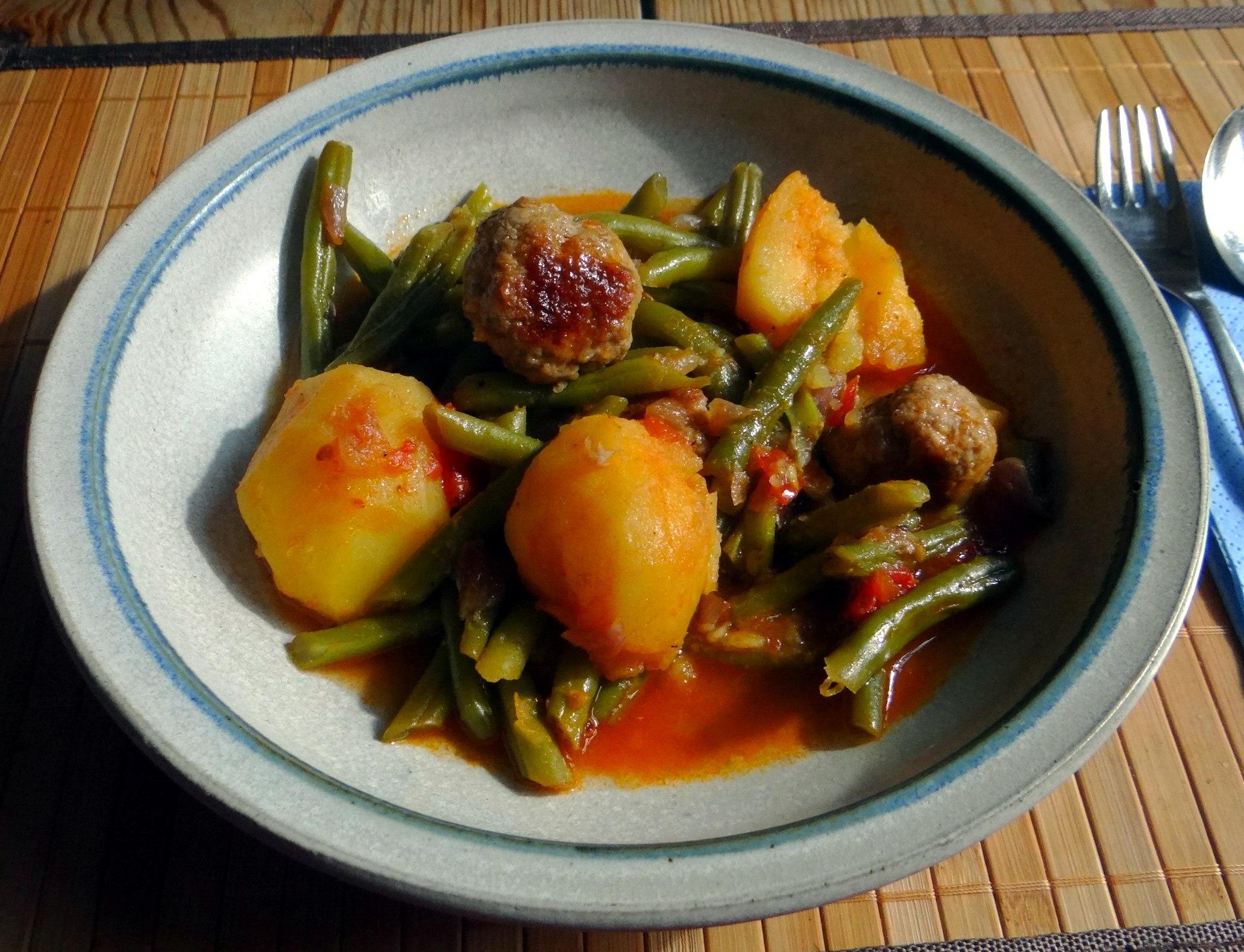 Bohnen Eintopf,Obstteller (4)