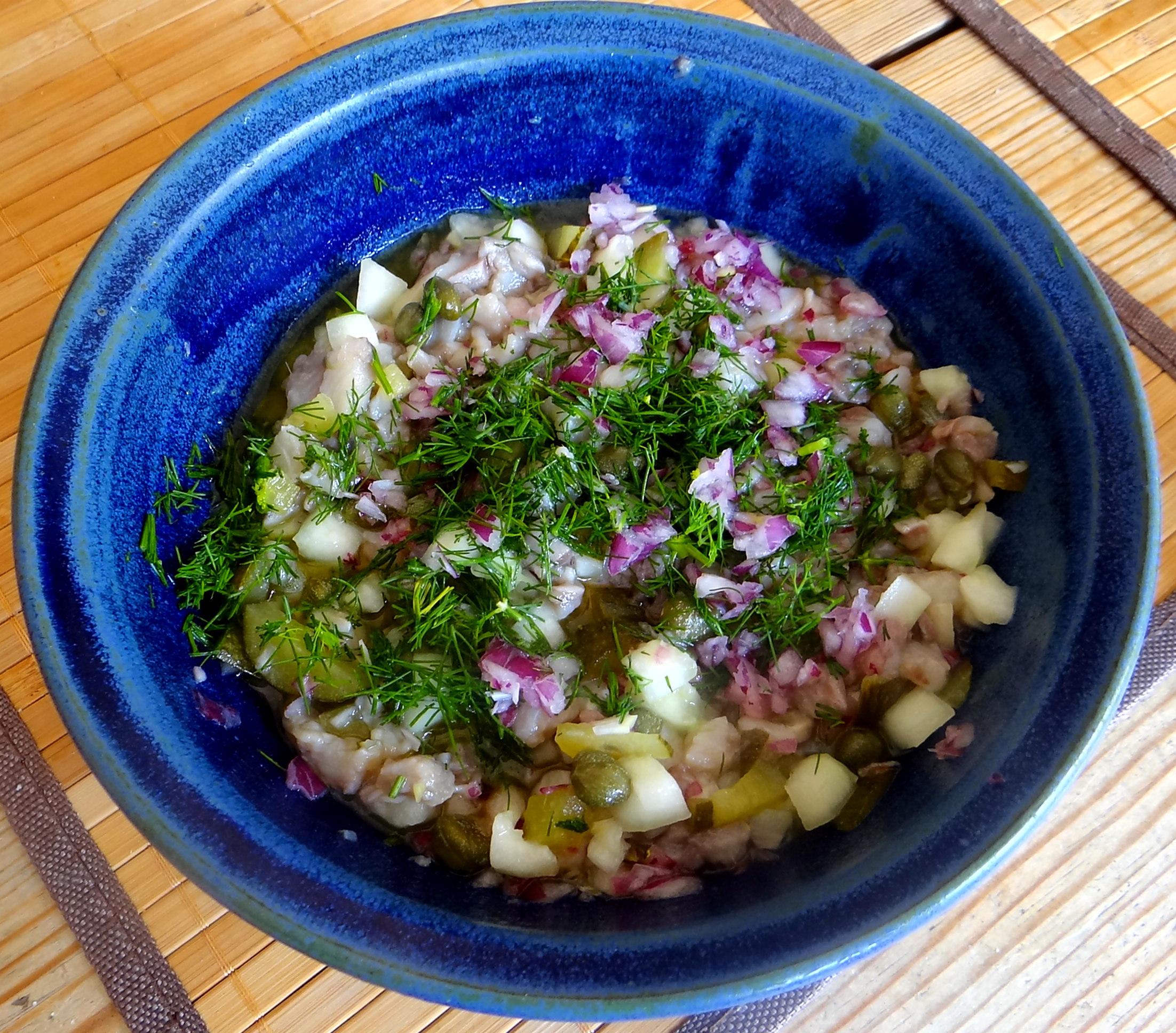 Matjes Tatar,Rote Beete Salat,Pellkartoffeln,Apfelkompott (12)