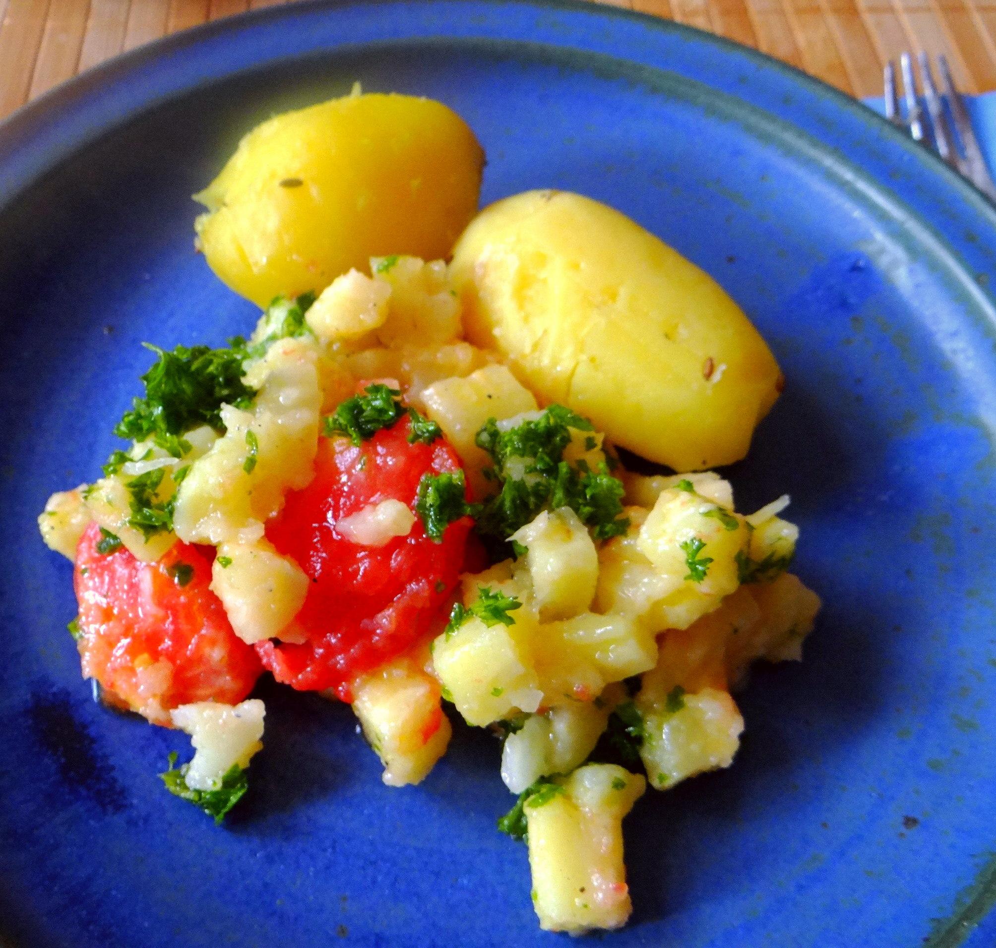 Pastinaken mit Tomaten,Pellkartoffeln (1)