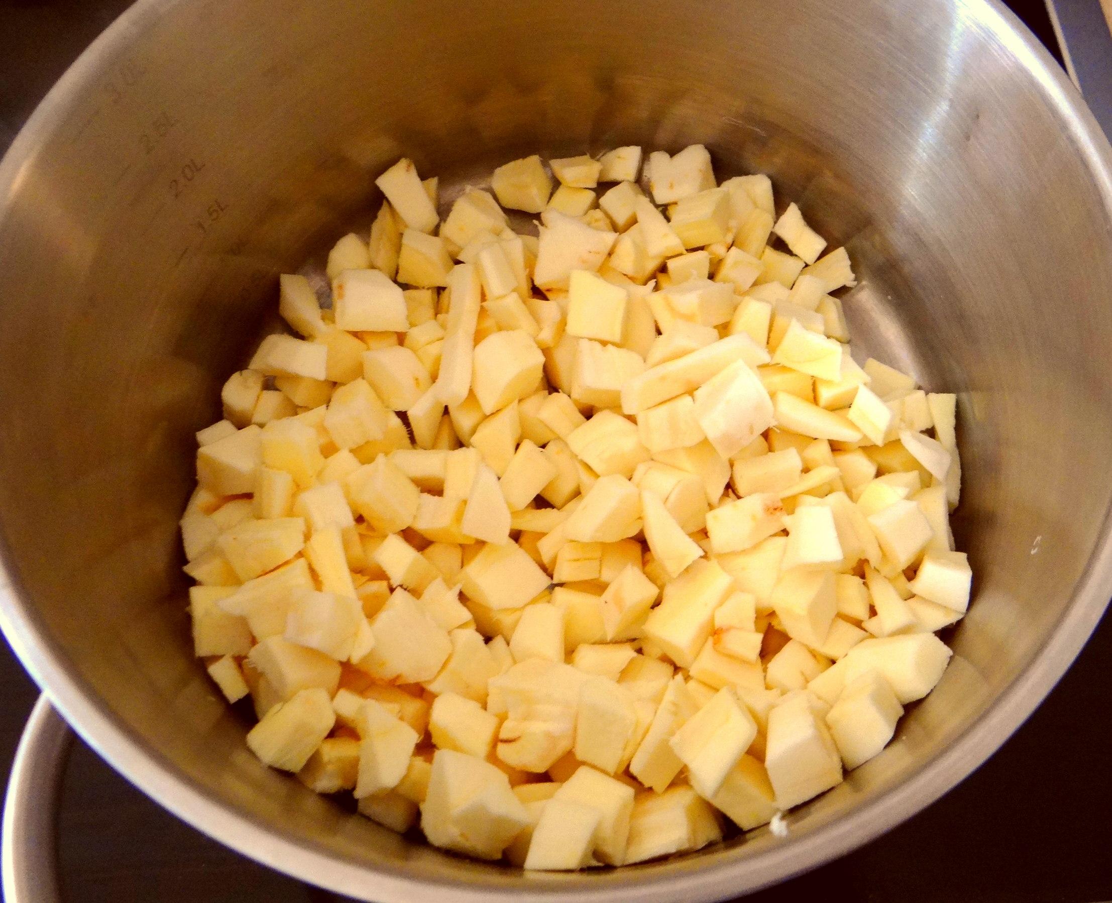 Pastinaken mit Tomaten,Pellkartoffeln (5)