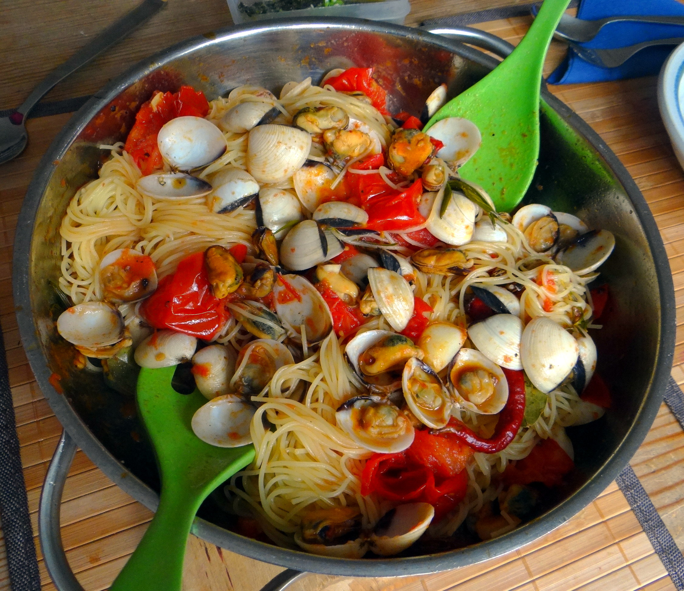 Spaghetti mit zweierlei Muscheln,Apfelkompott (13)