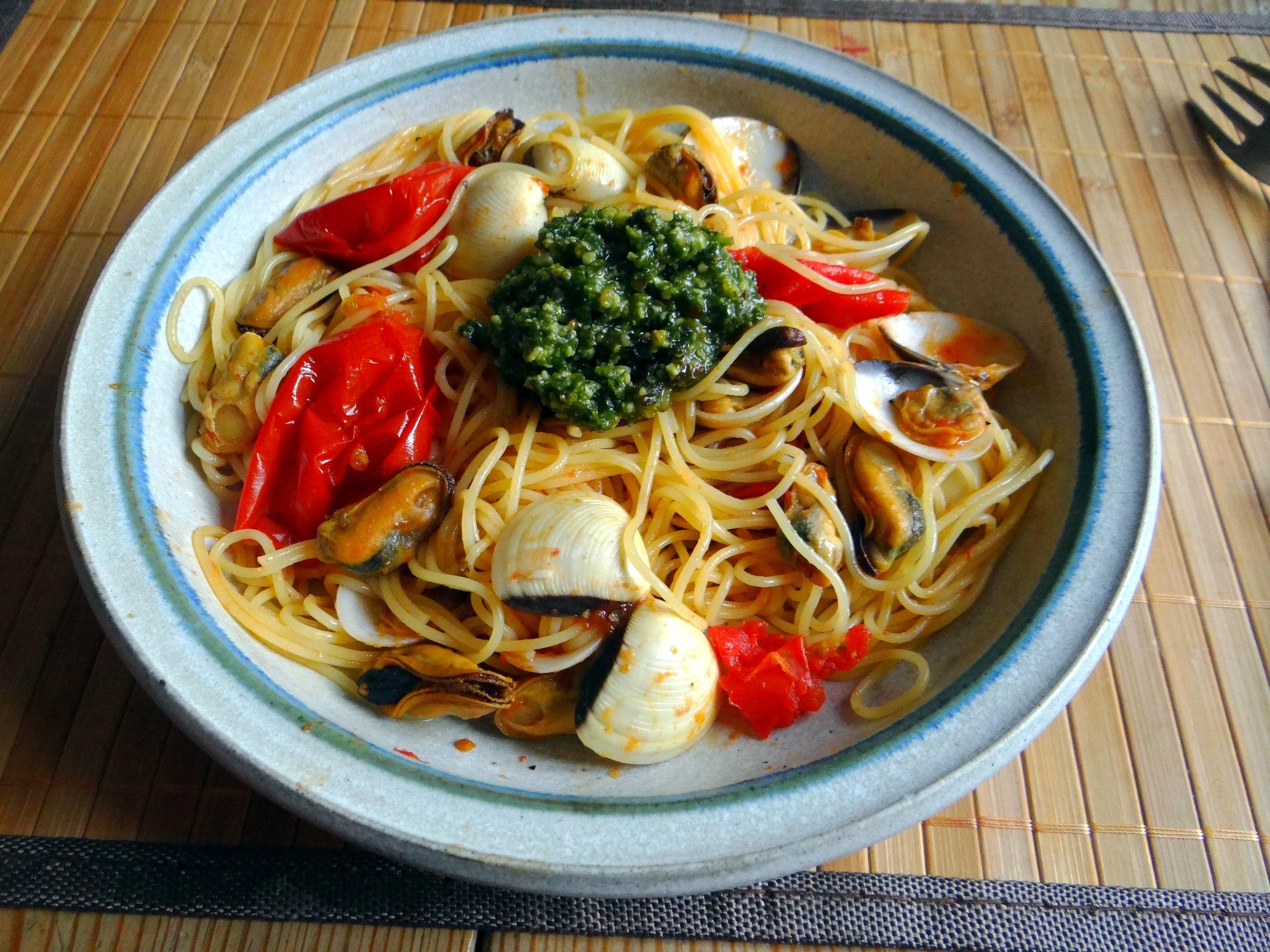 Spaghetti mit zweierlei Muscheln,Apfelkompott (15)
