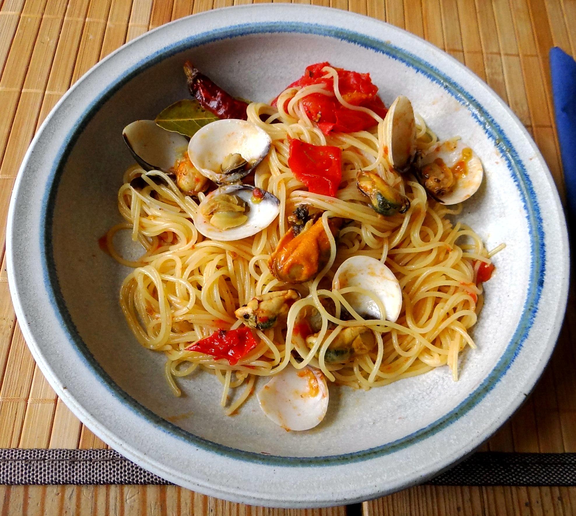 Spaghetti mit zweierlei Muscheln,Apfelkompott (2)
