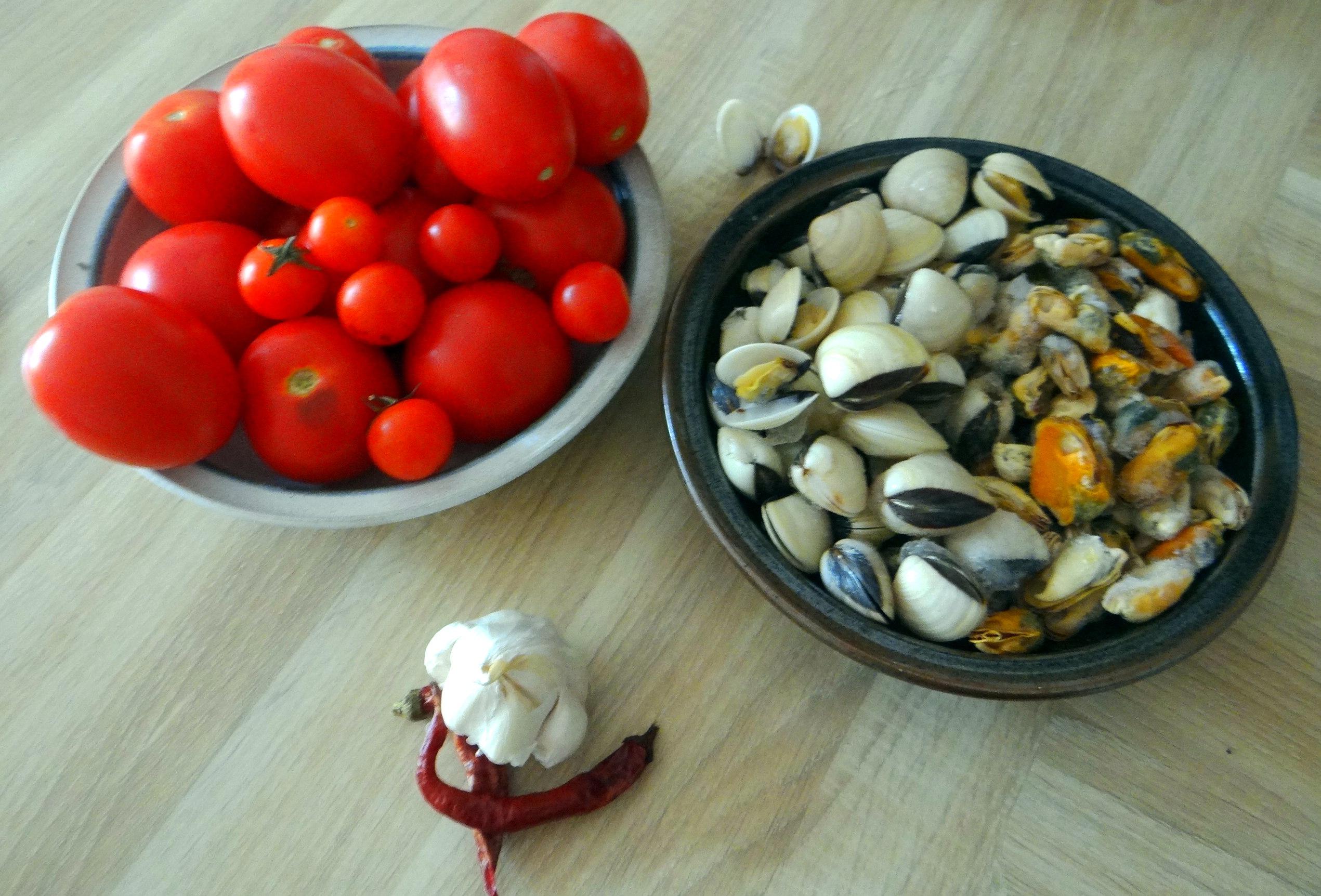 Spaghetti mit zweierlei Muscheln,Apfelkompott (5)