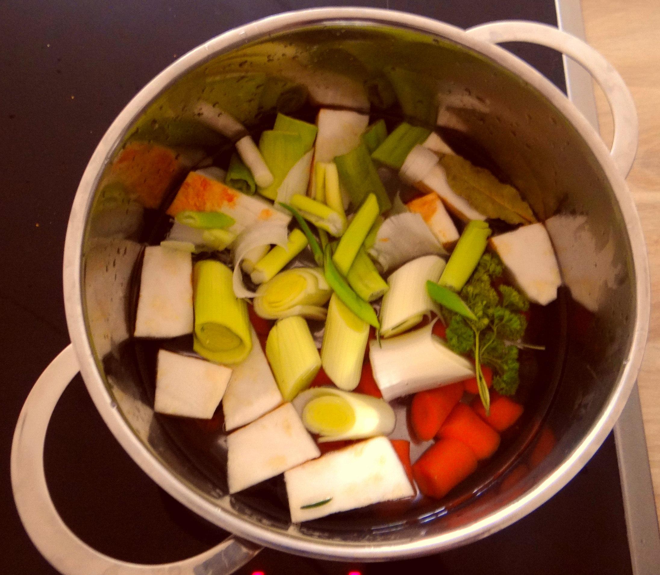 Austernpilz Risotto,Chamignon,Käse Cräcker,Salat,Quitten (8)