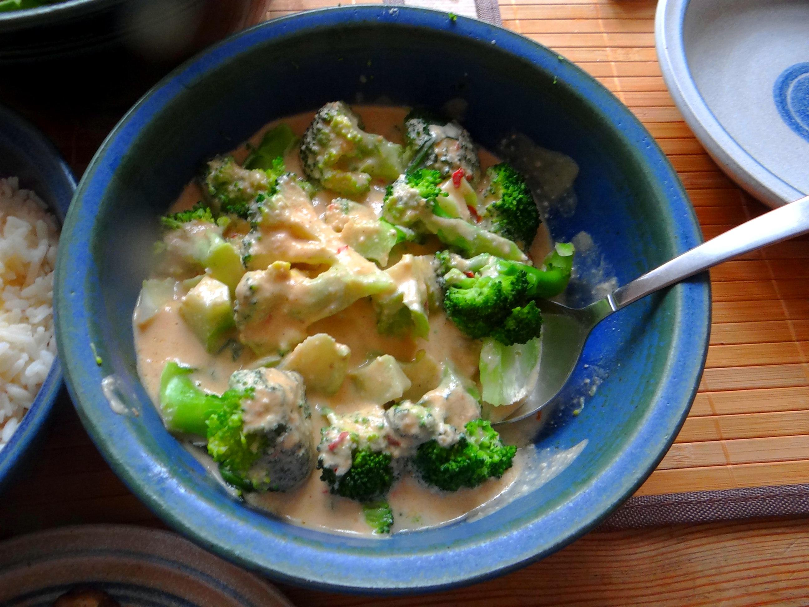 Brokkoli,Erdnußsauce,Kräutersaitlinge (11)