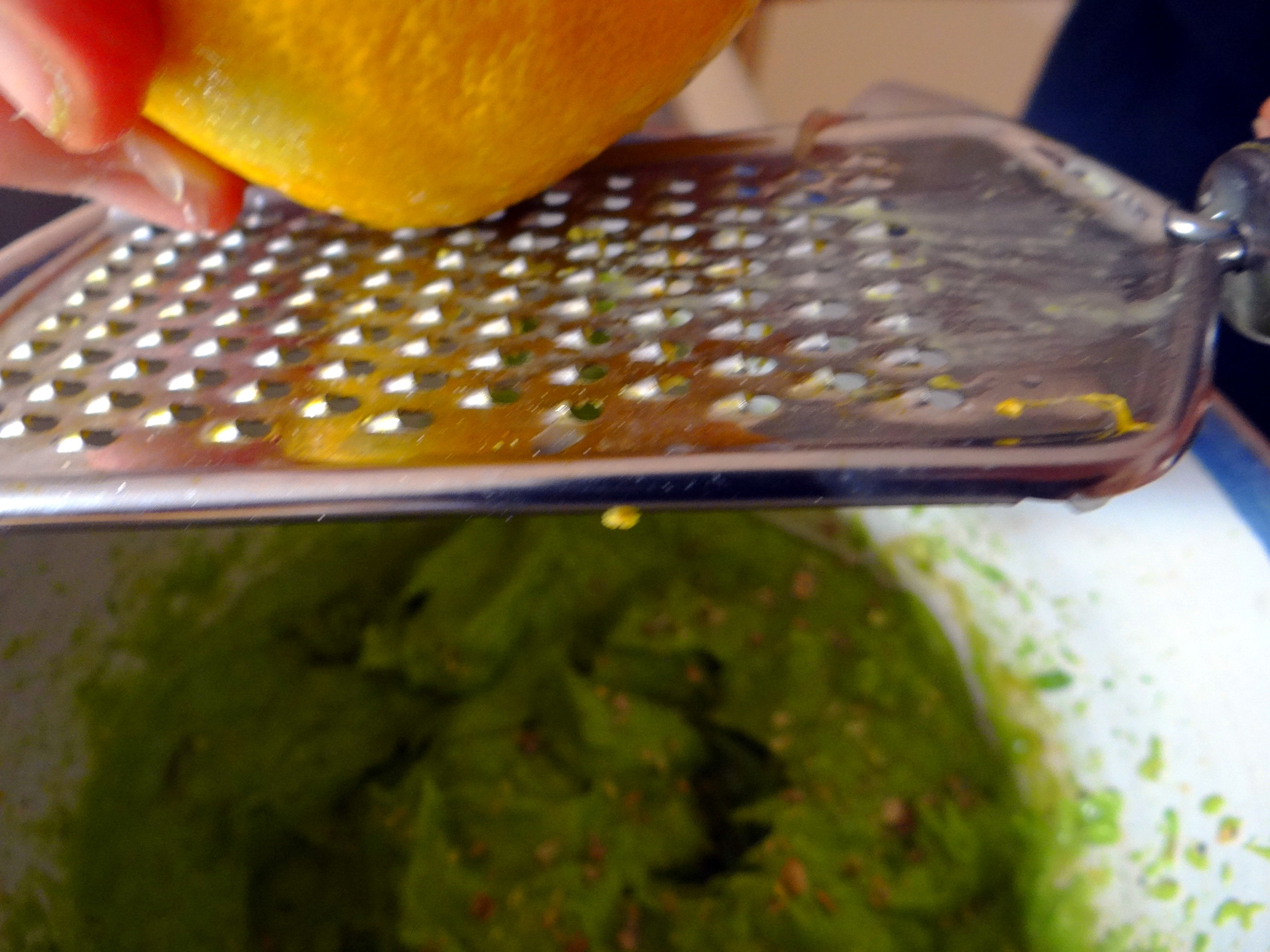 Kürbis-Kartoffel Puffer,Guacamole,Feldsalat (14)