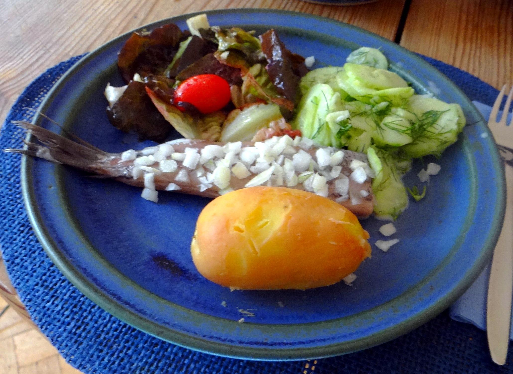 Matjes,Salate,Pellkartoffeln (9)