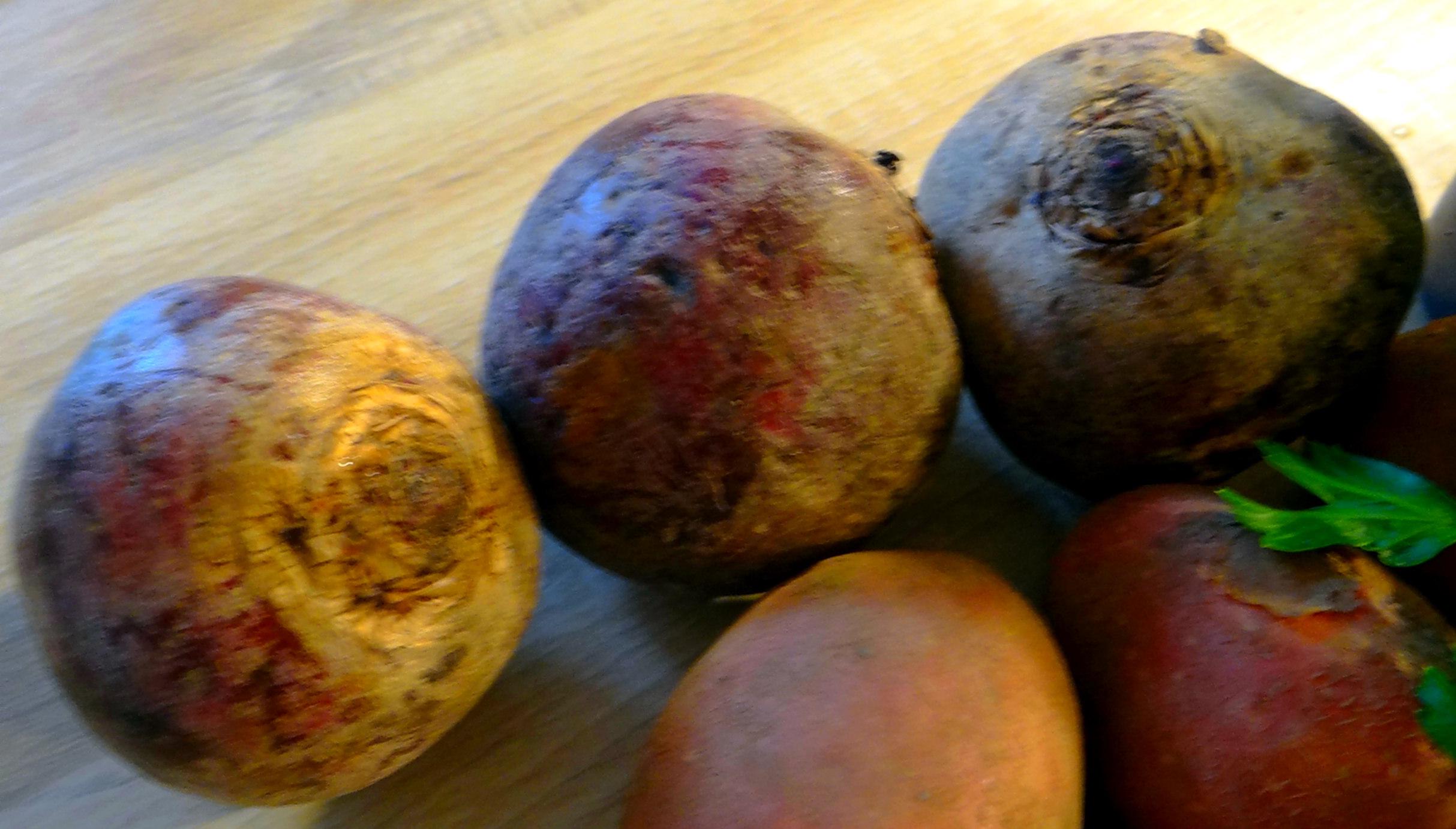 Rote Beete,Kartoffeln,Salsa, (6)