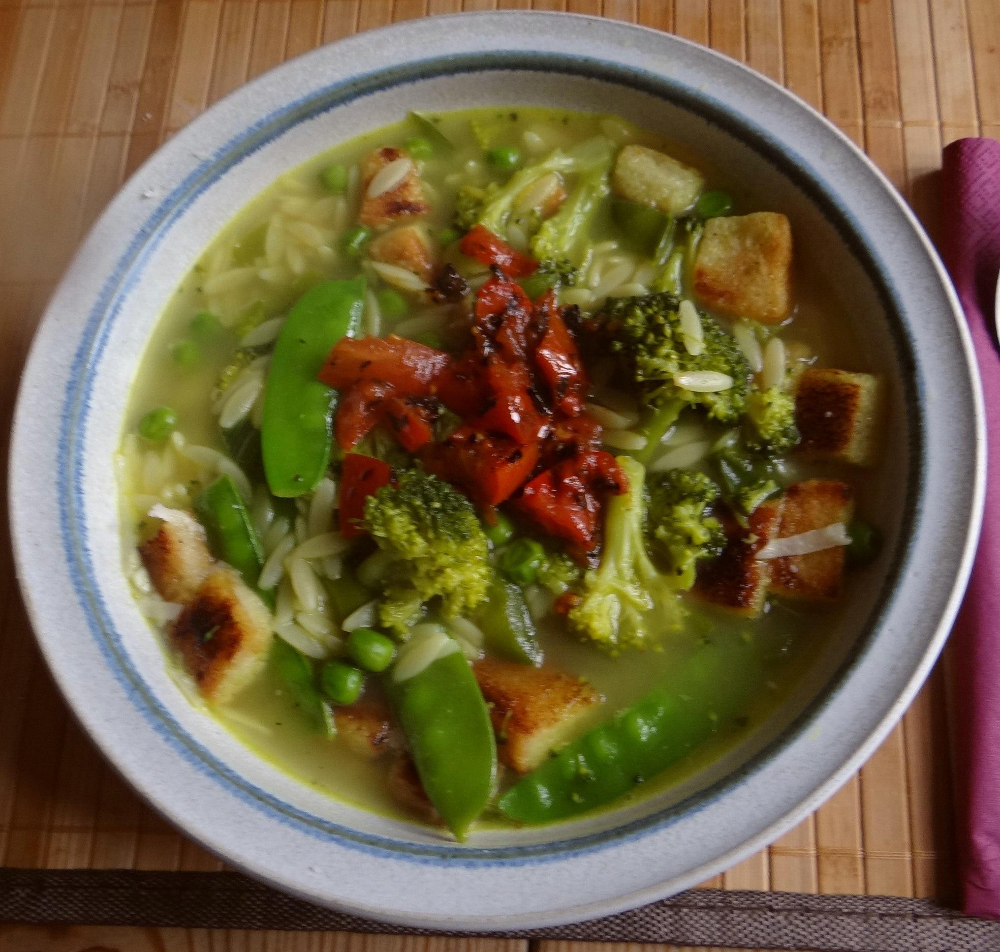 Grüne Suppe,Kritharaki,Quarkspeise (1)