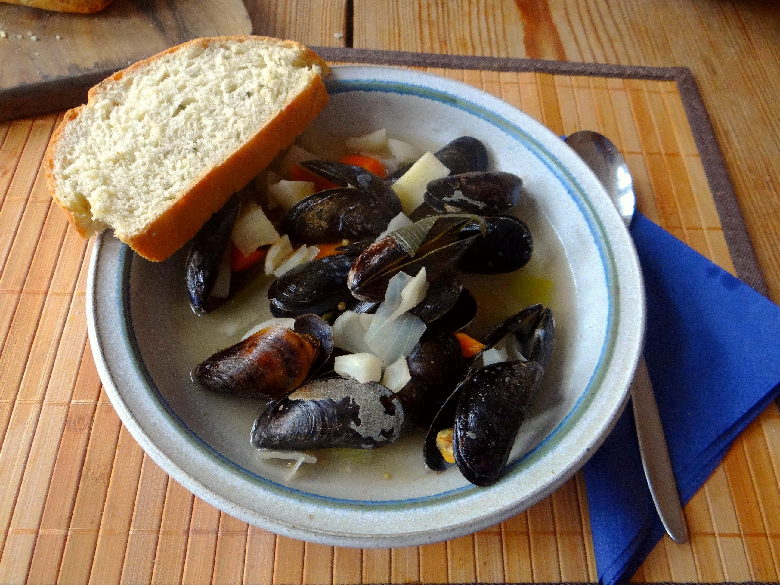 Miesmuscheln,Baguette,Quark-Schlehen Dessert (18)