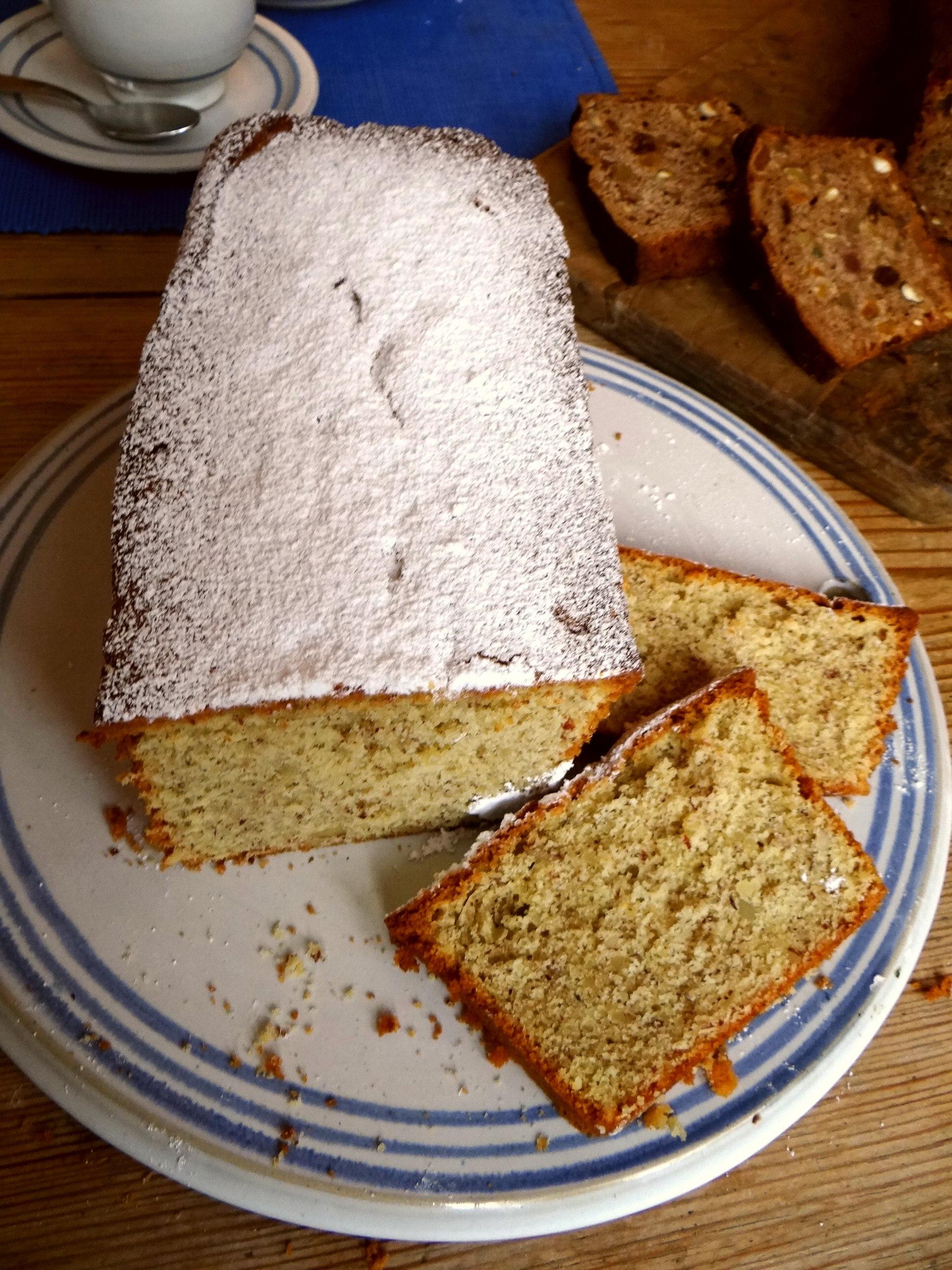Mandelkuchen und Früchtebrot (2)