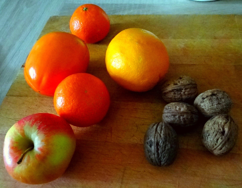 Rote Beete Gemüse,Geräucherte Forelle,Kartoffeln,Obstsalat (16a) (2)
