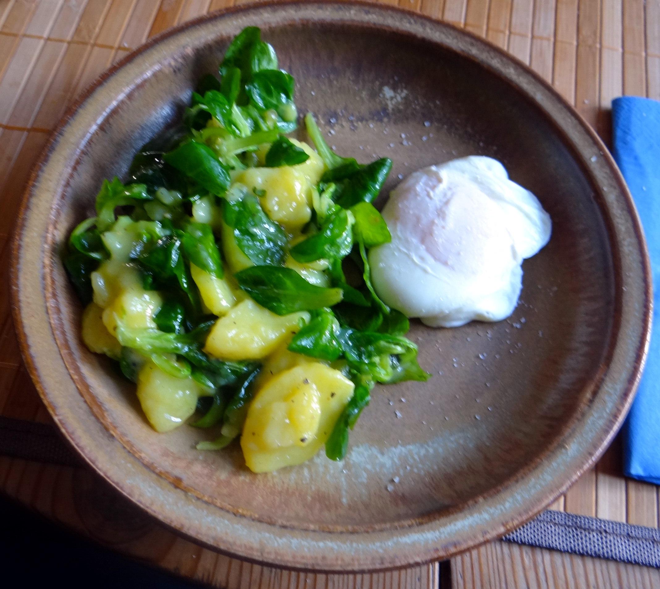Schlotziger Kartoffelsalat,poschierte Eier,Quarkspeise (11)
