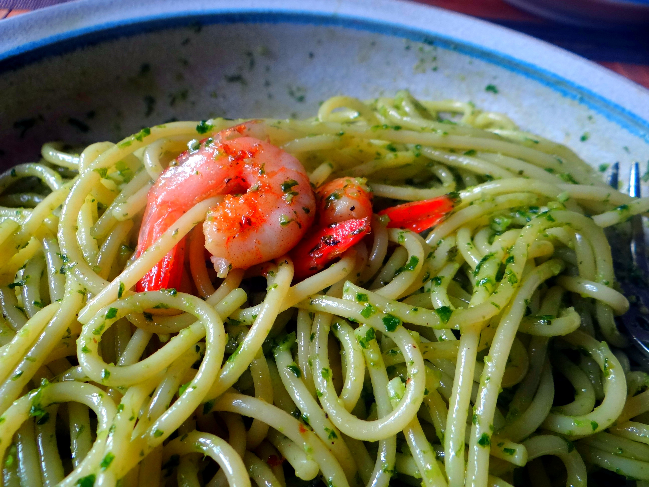 Spaghetti,Bärlauchpesto,Garnelen,Pflücksalat (3)