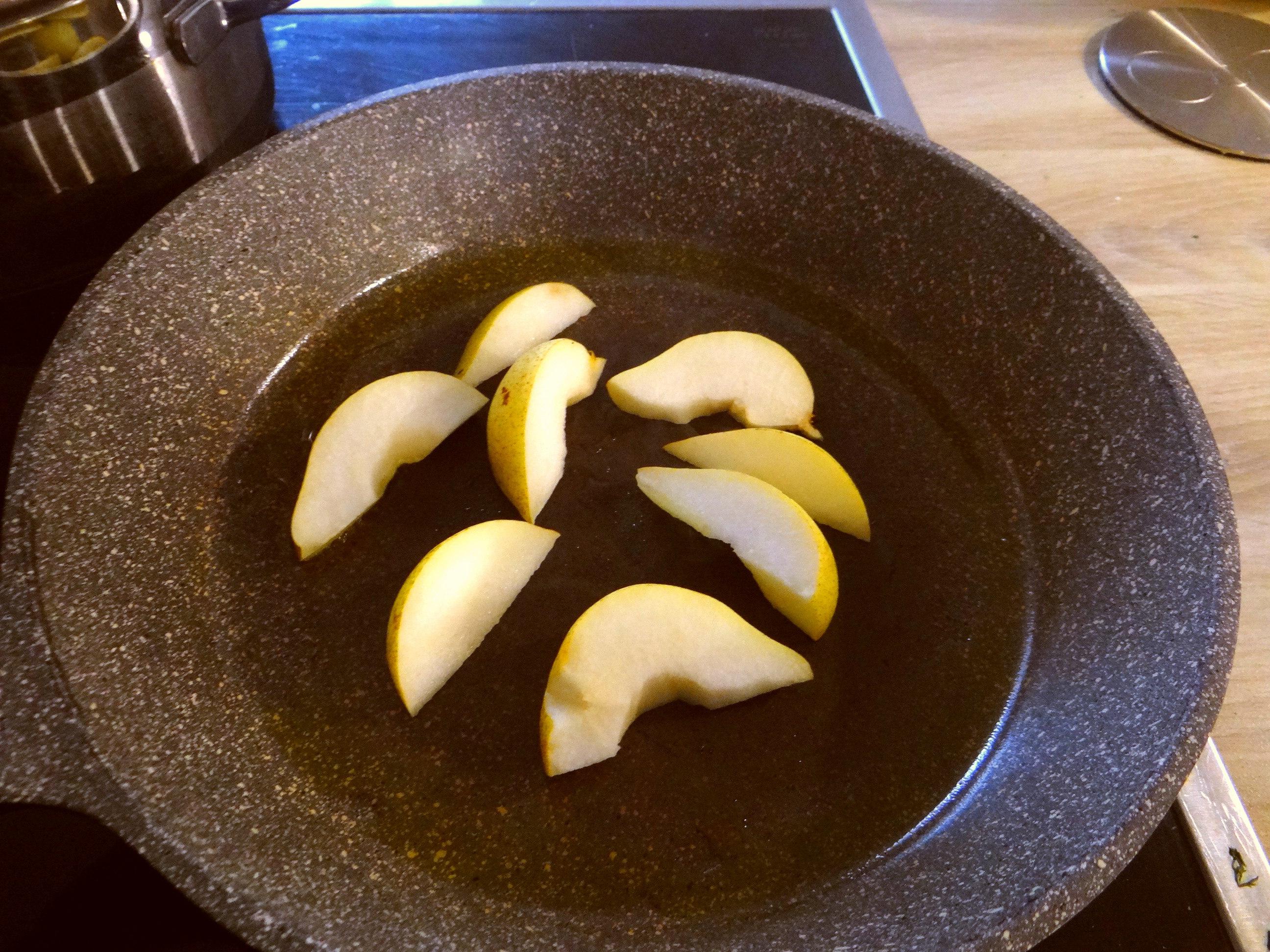 Dillsauce,Kartoffeln,Eier,Birnen (14)
