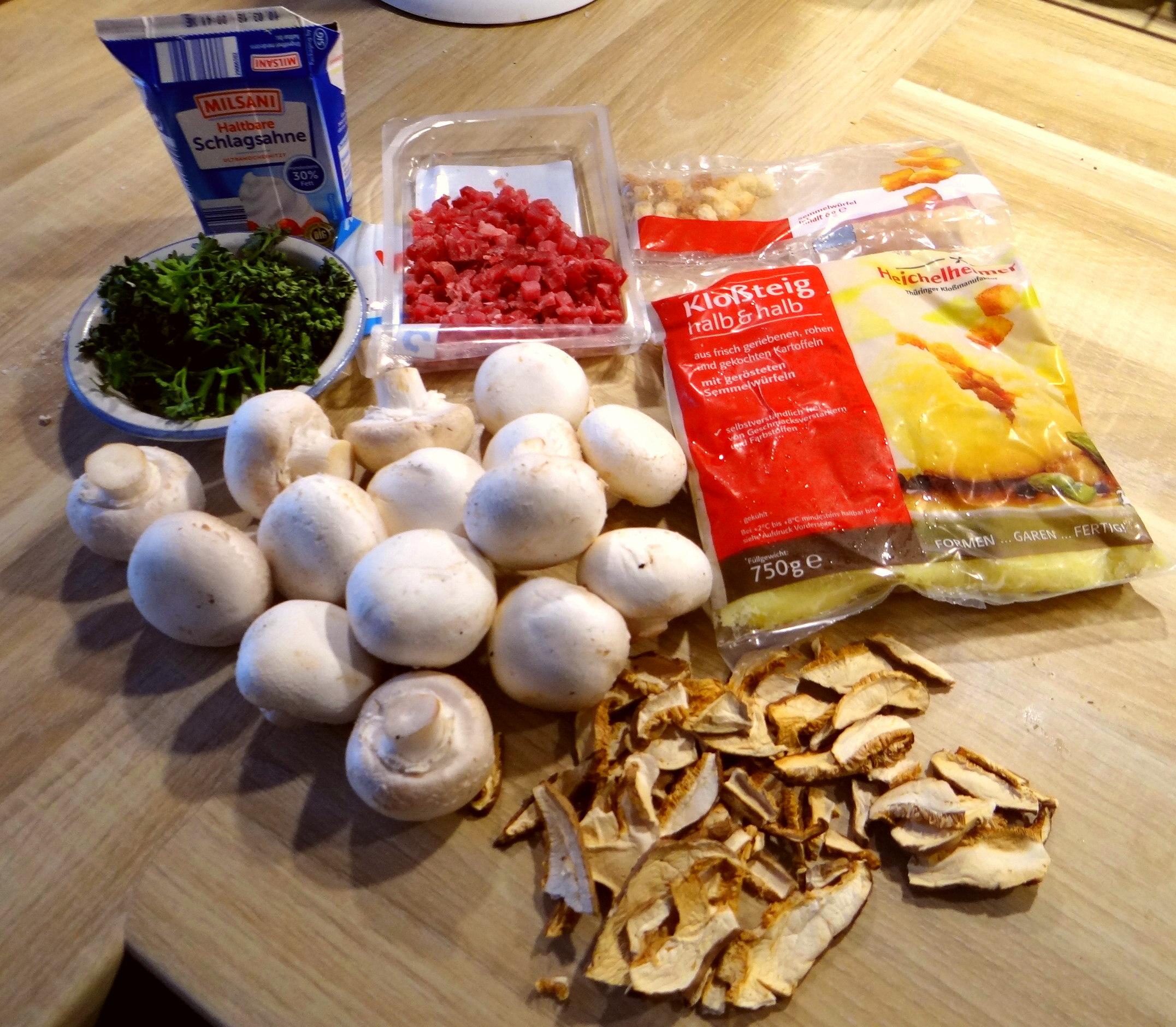 Klöße mit Pilzen (4)