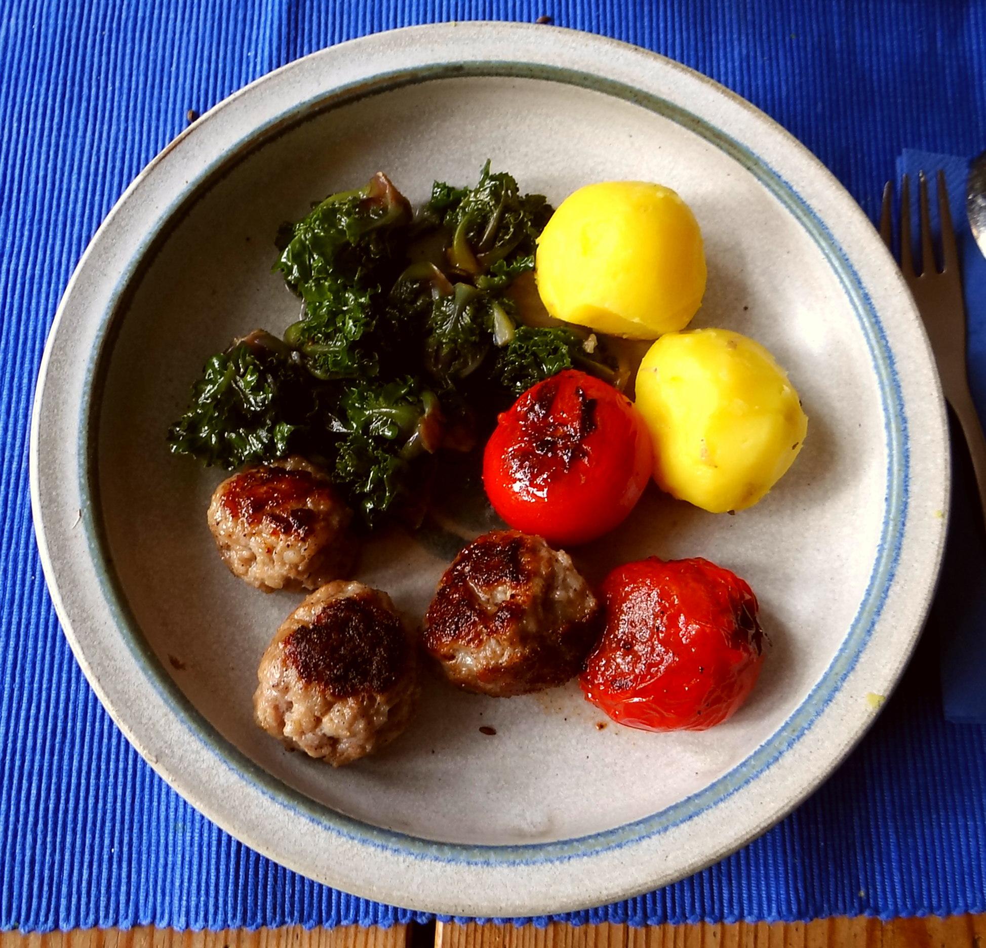 Kohlröschen,Tomaten,Mettbällchen (12)