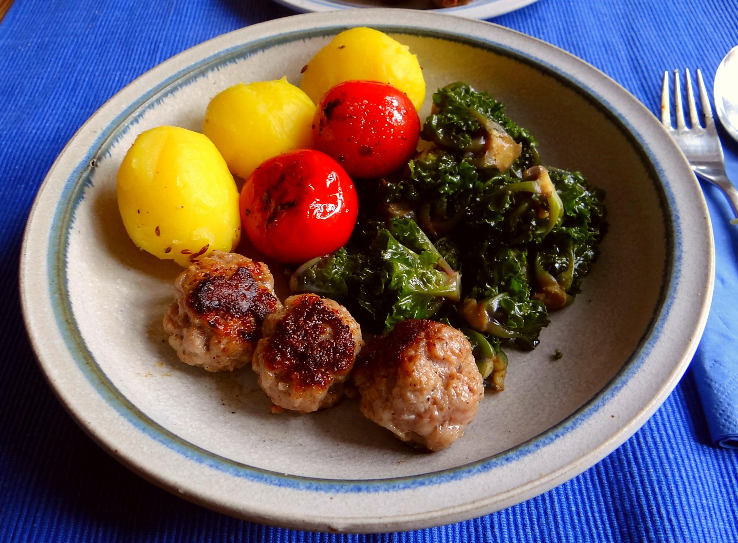Kohlröschen,Tomaten,Mettbällchen (2)