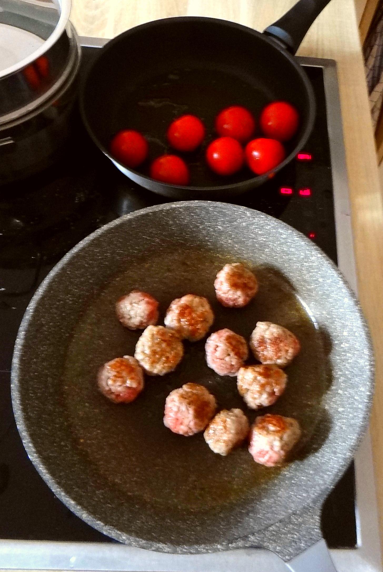 Kohlröschen,Tomaten,Mettbällchen (6)
