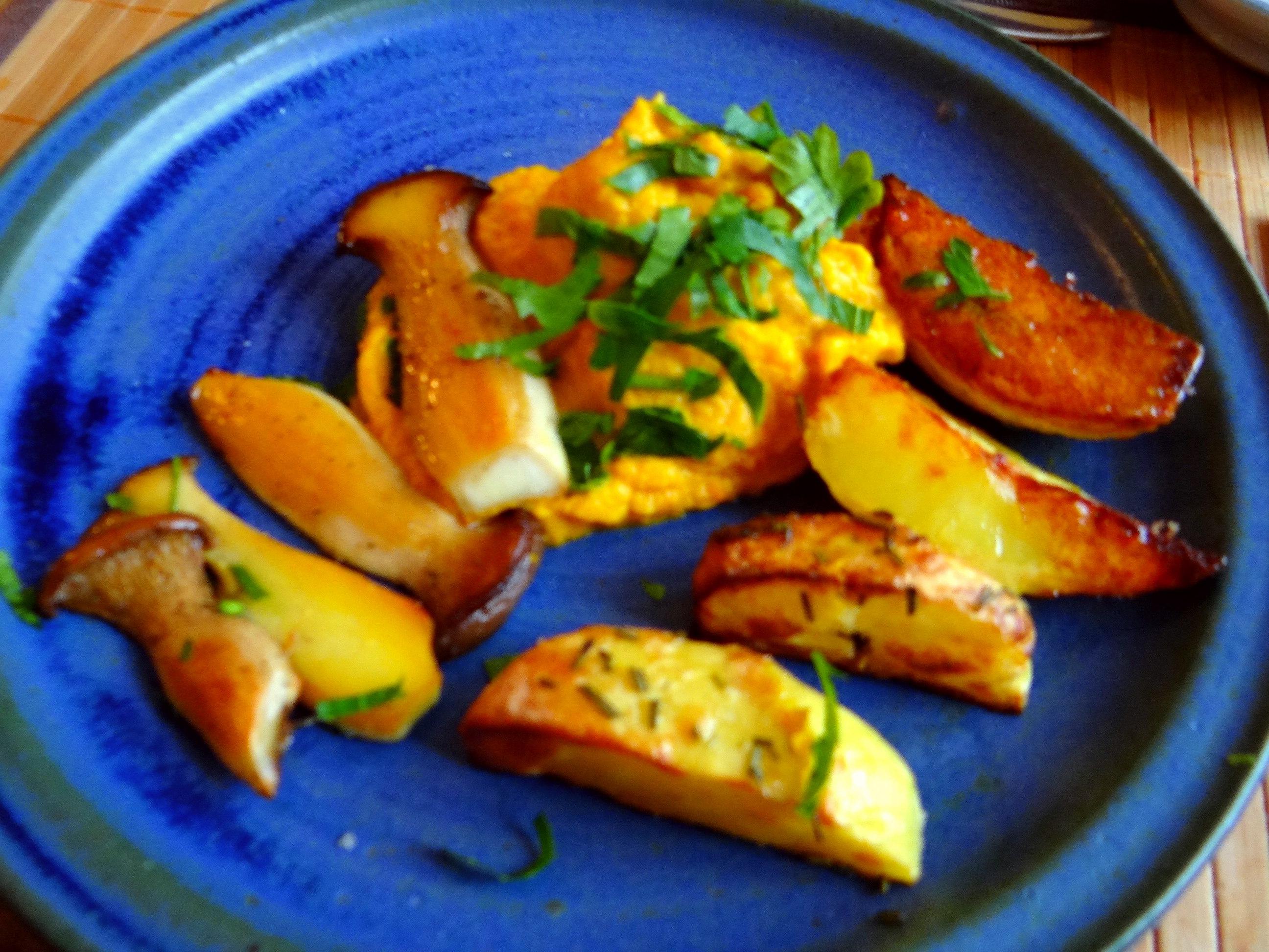 Kräuterseiling,Kartoffel Spalten,Kürbispüree (2)