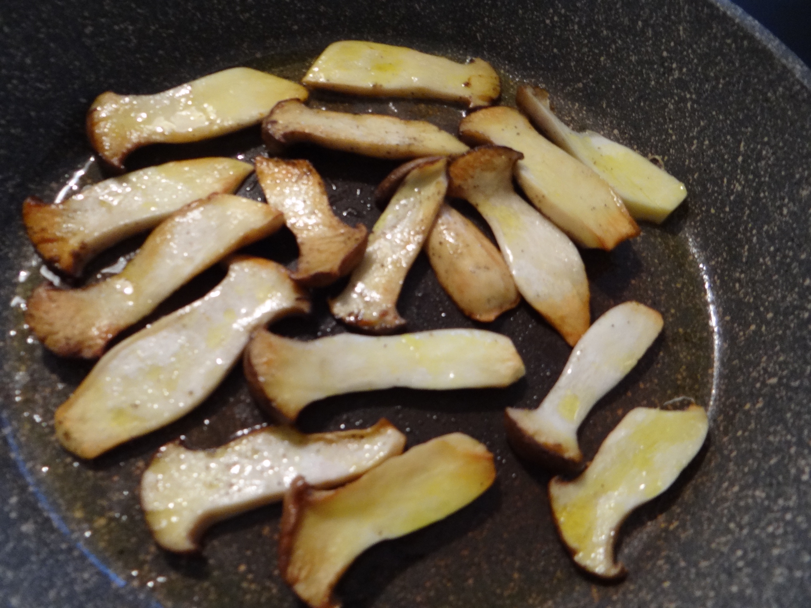Kräuterseiling,Kartoffel Spalten,Kürbispüree (8)